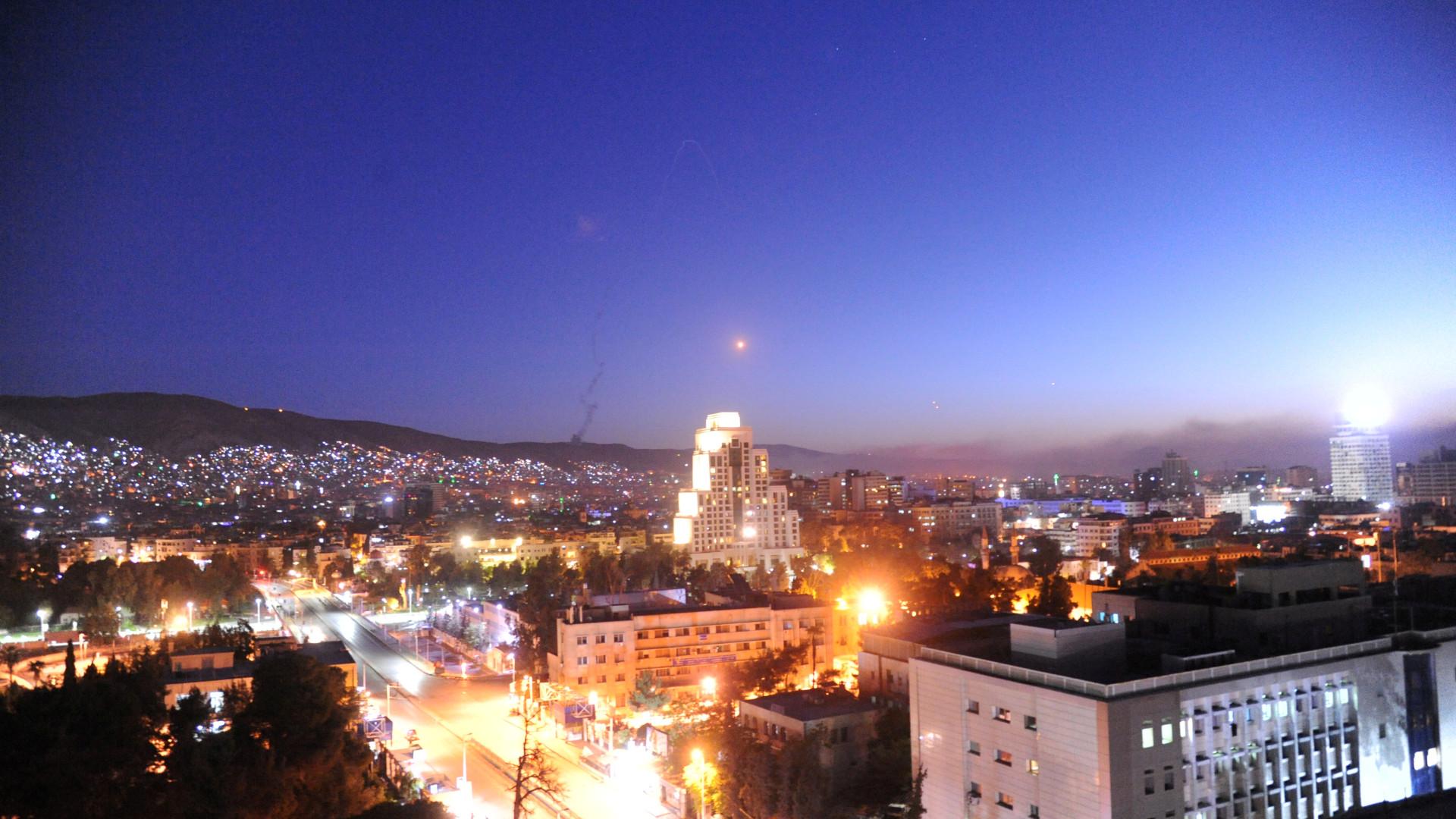 """Media estatais da Síria retratam-se. Ataque externo foi """"falso alarme"""""""
