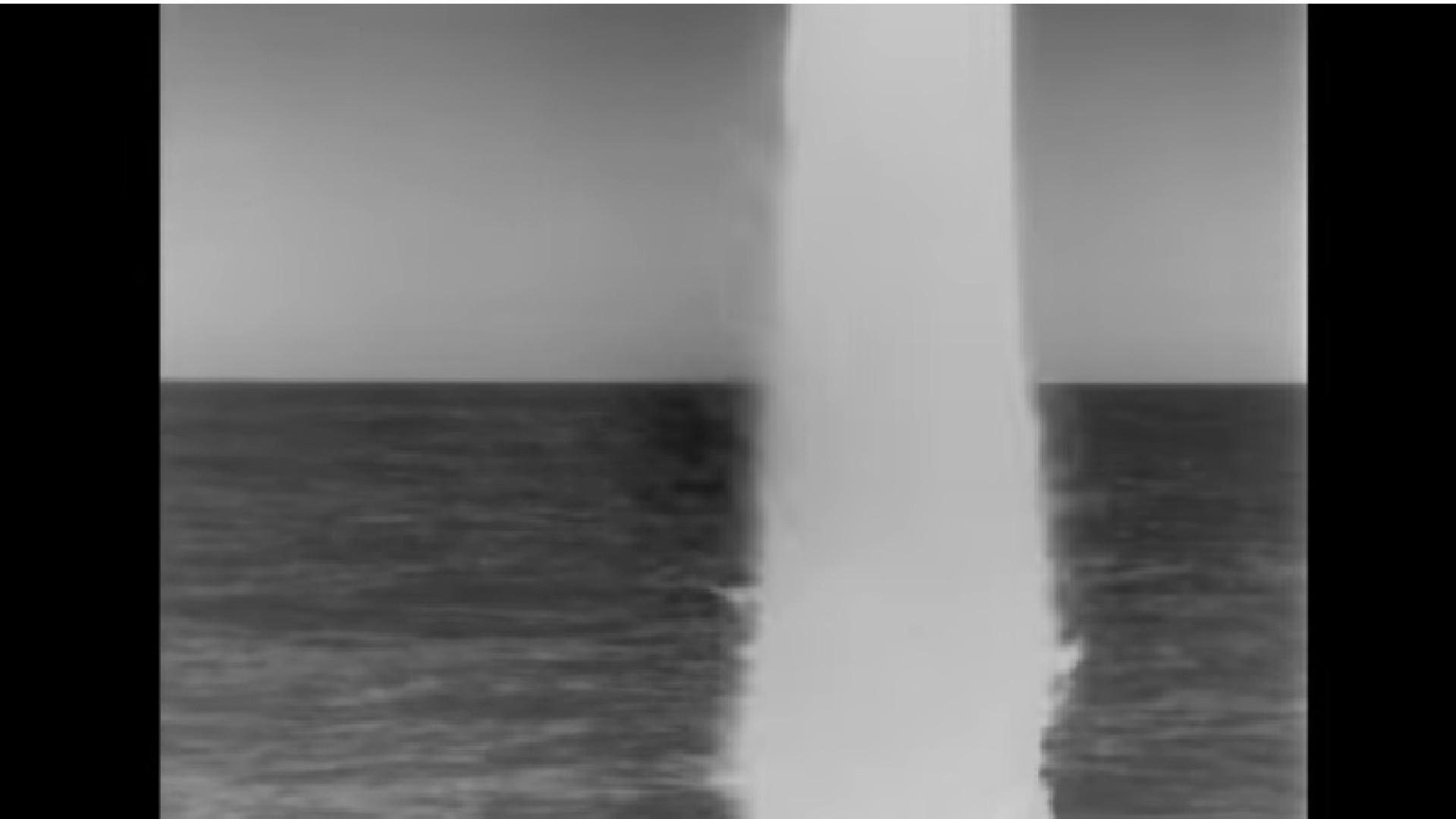 O momento em que submarino dos EUA lança míssil contra a Síria