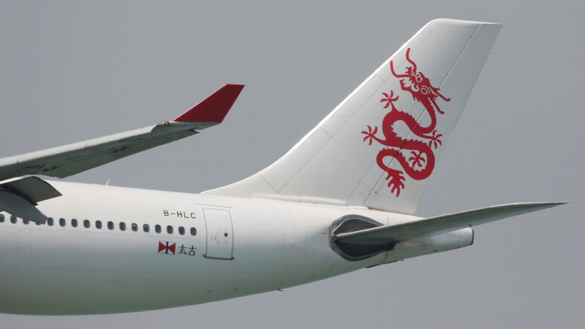 Copiloto suspeito de fumar no avião e provocar queda a pique do aparelho