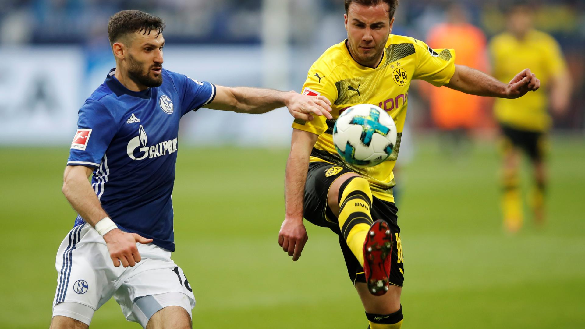 Schalke 04 vence rival Borussia Dortmund e reforça segundo lugar