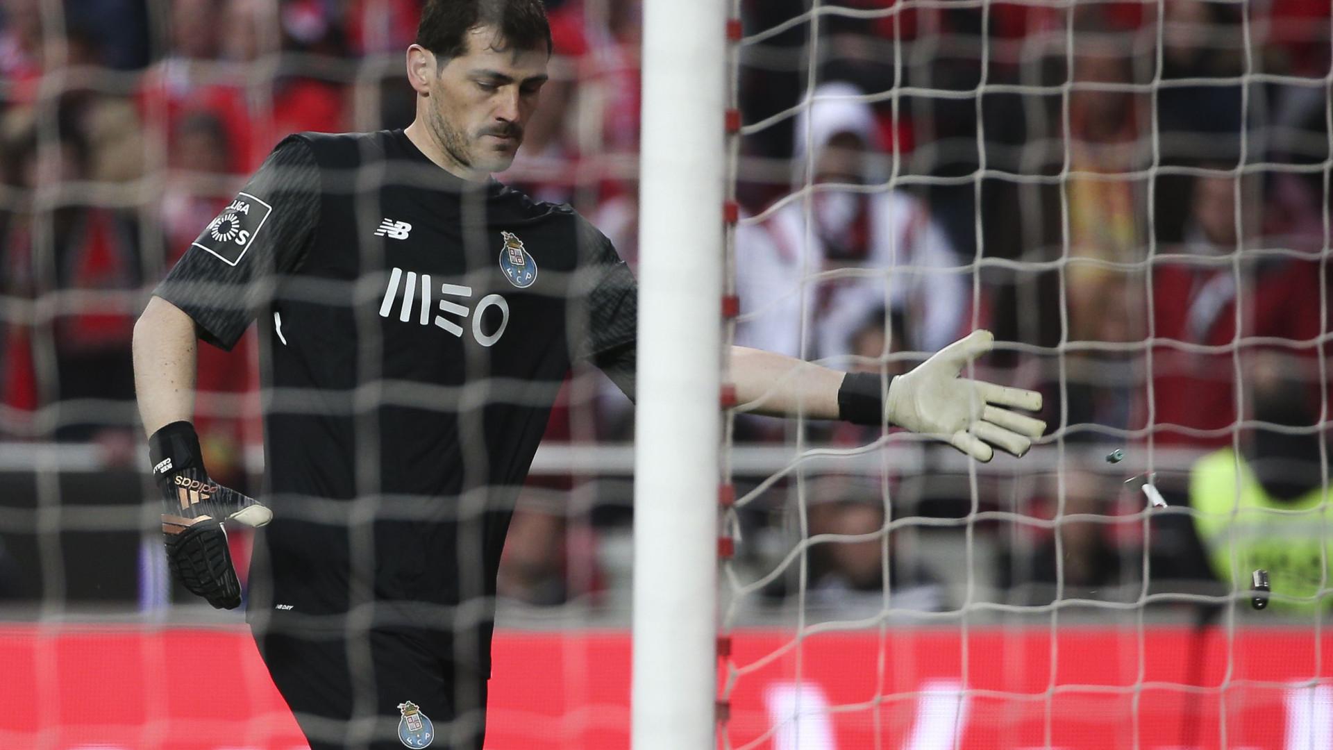 Espanhóis dizem que Casillas enfrenta um duplo dilema