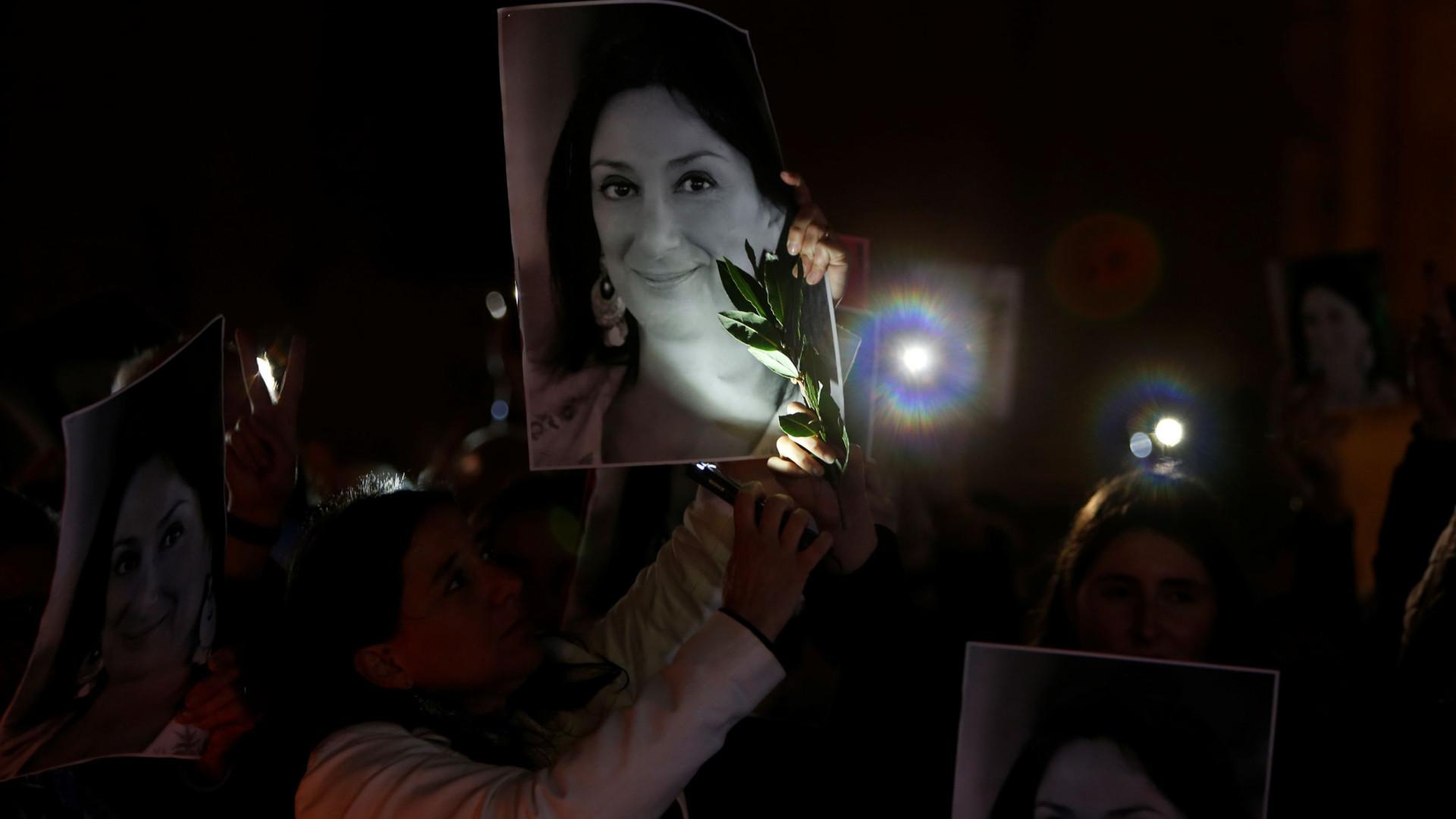 Centenas em vigília silenciosa em Malta por jornalista assassinada