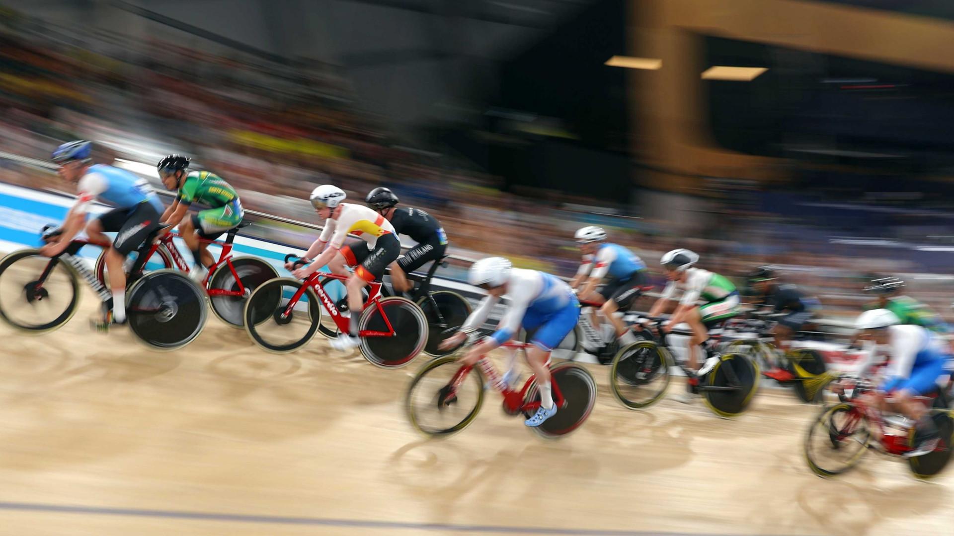 Federação contratou o médico de Armstrong para dopar a equipa de ciclismo