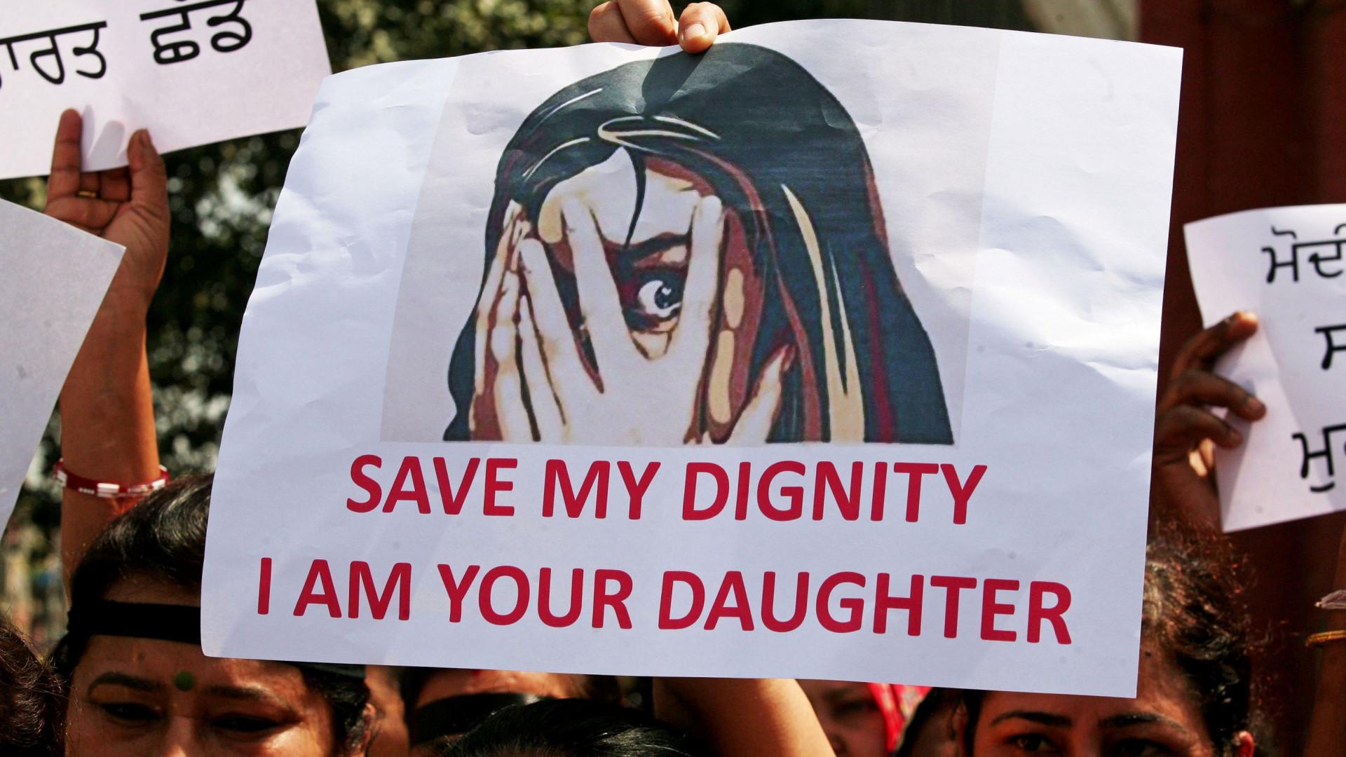 Menina de sete anos violada e assassinada durante casamento na Índia