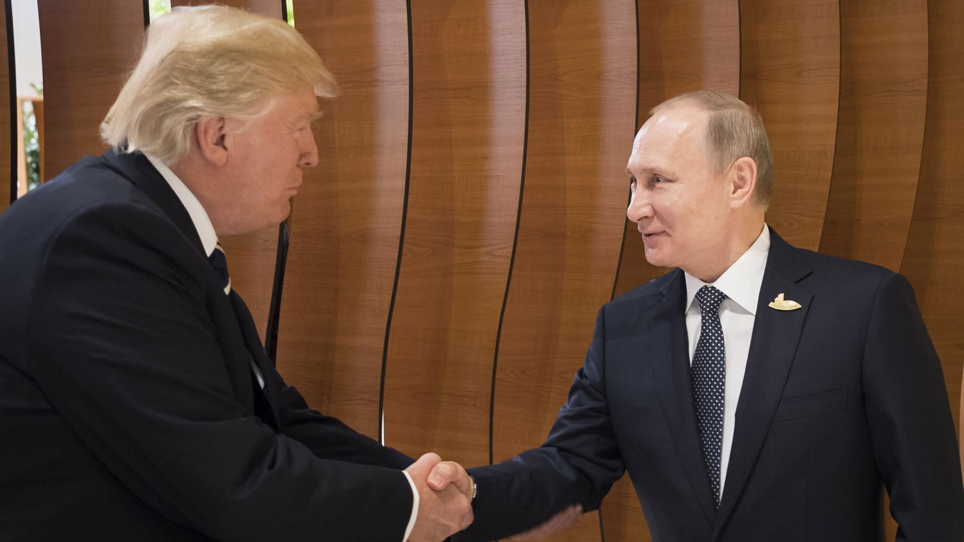 Embaixador dos EUA em Moscovo põe 'água na fervura' das expetativas
