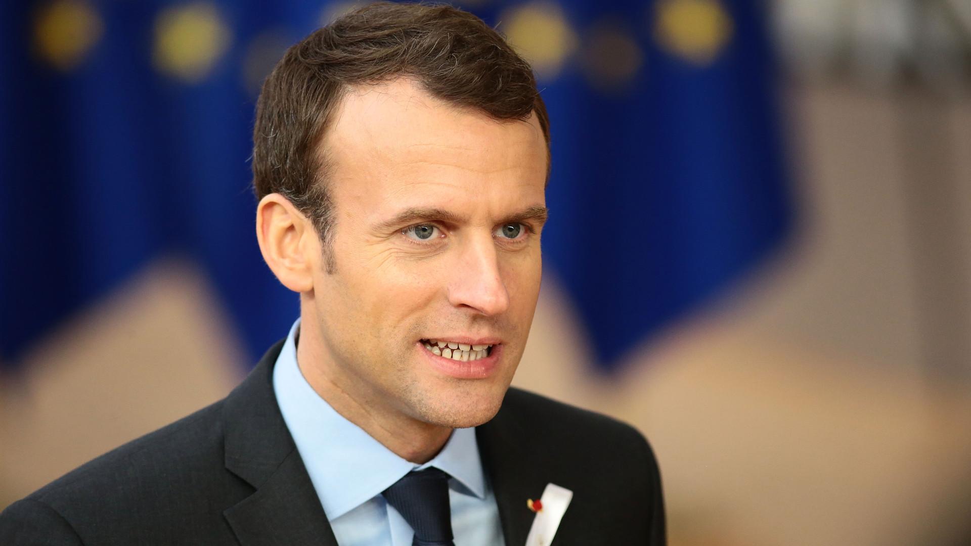 Macron a favor de sanções financeiras a quem recusar acolhimento