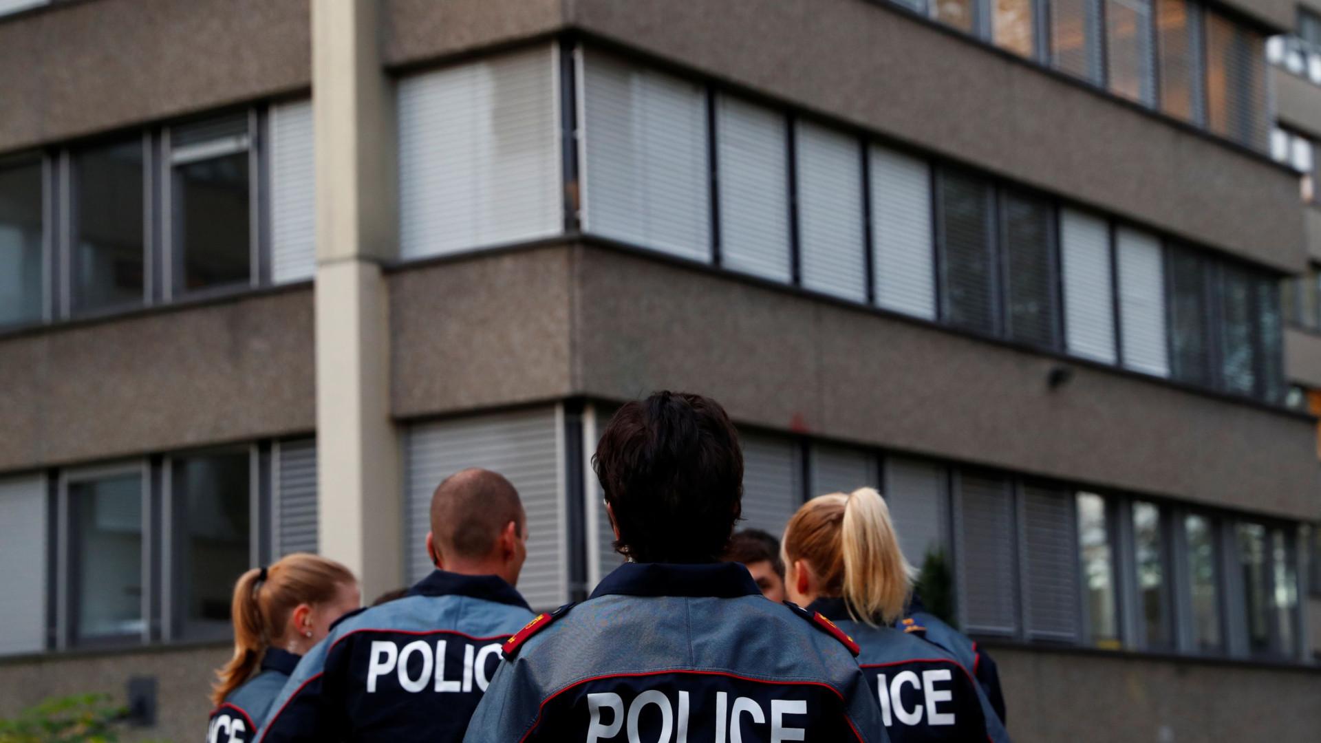 Emigrante português mata mulher e filho com cerca de 30 tiros