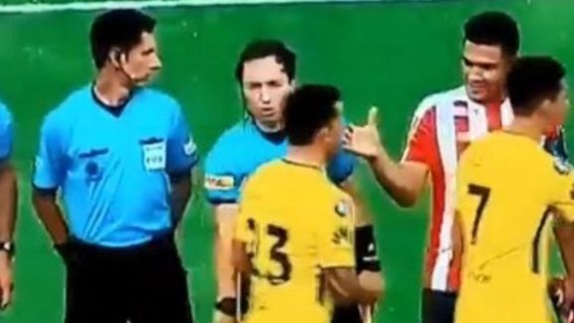 E quando Tévez ignora Teo Gutiérrez... aconteceu na Libertadores