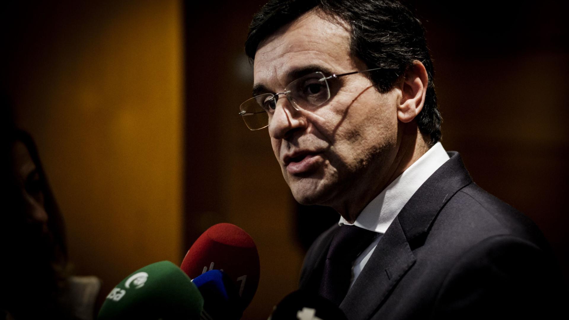 PSD quer ouvir ministro da Saúde com urgência no parlamento