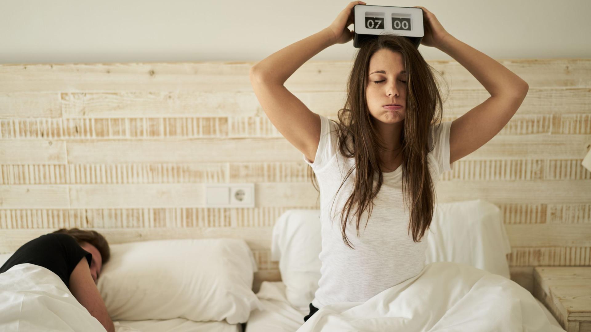 Obrigar-se a dormir menos (e ficar bem) é possível?