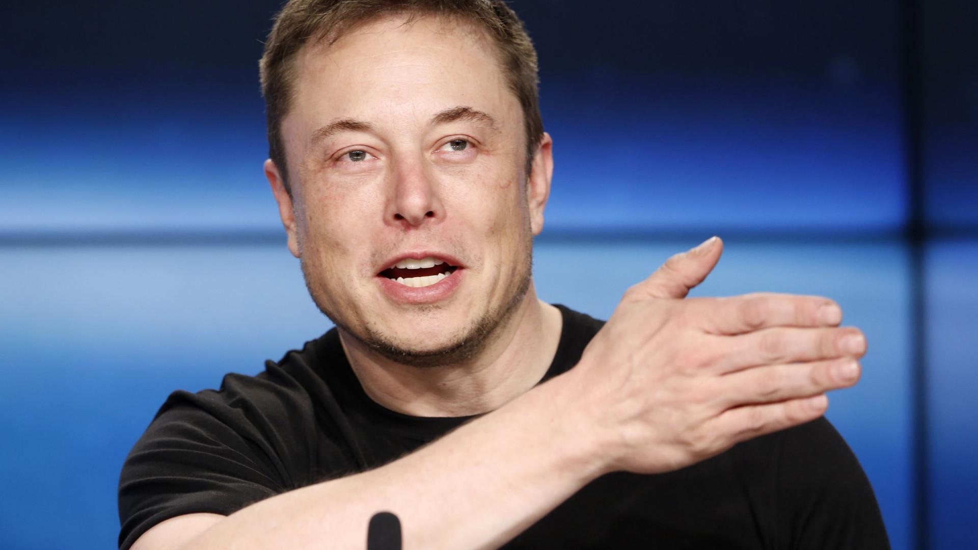 Empresário Elon Musk apresenta projeto de túneis de alta velocidade