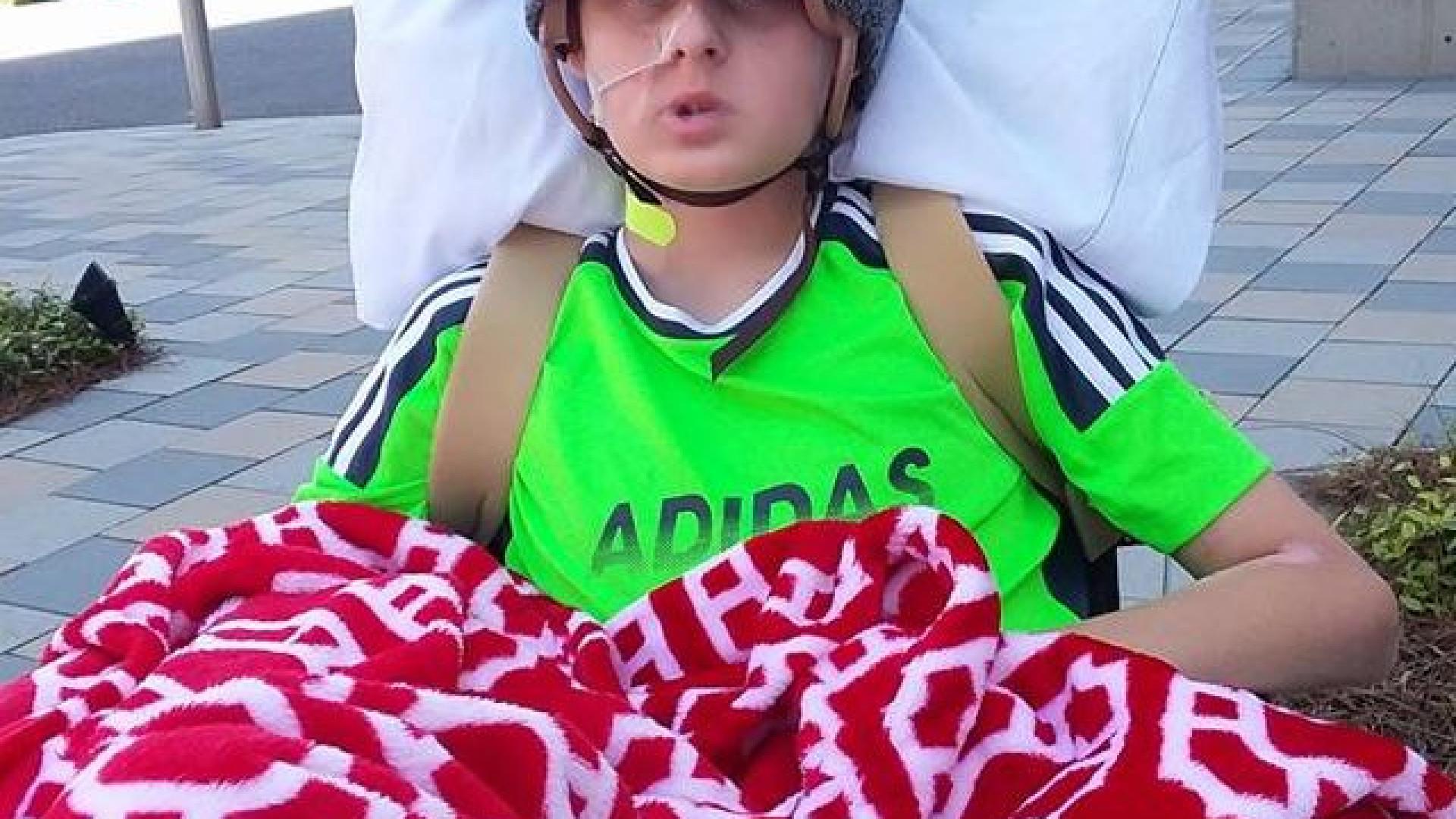 Rapaz acorda de morte cerebral após pais autorizarem doação de órgãos
