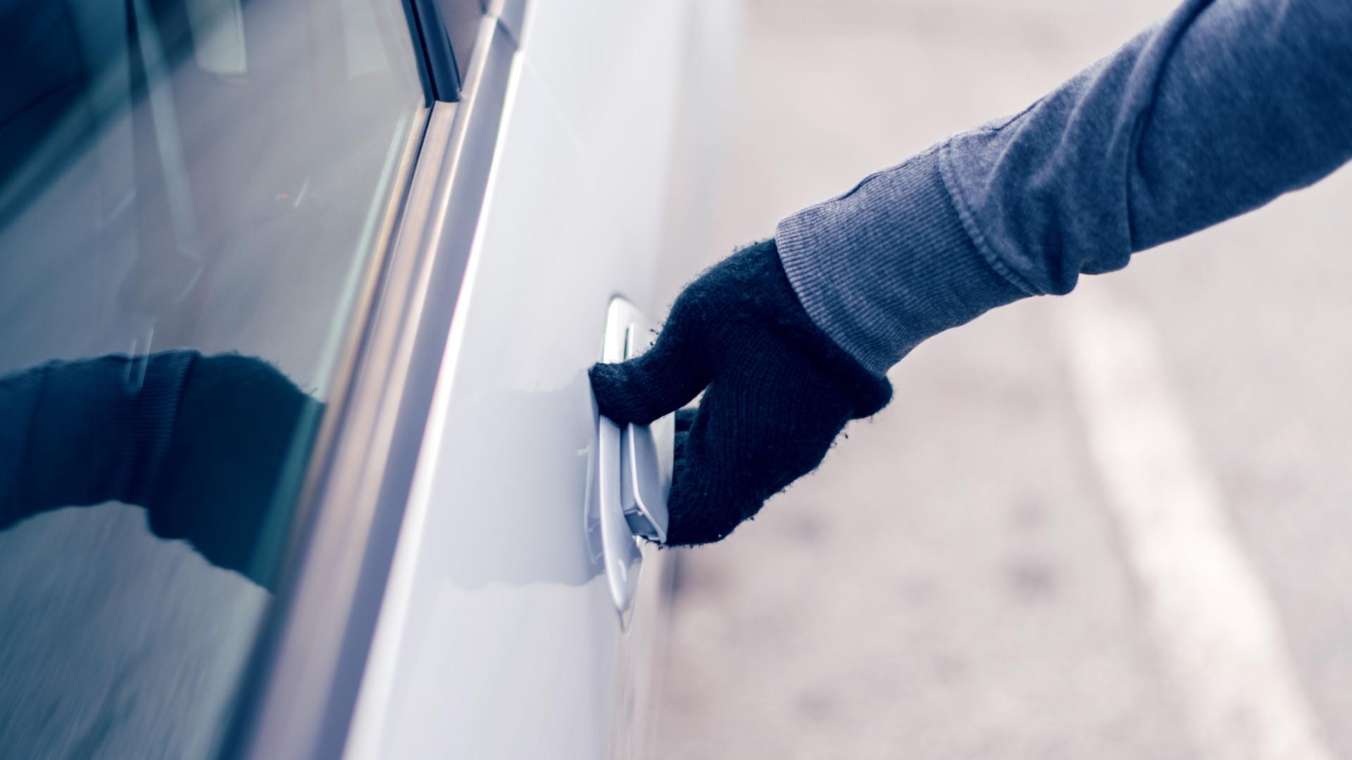 Leiria: Quatro jovens detidos por furtos de carros de alta cilindrada
