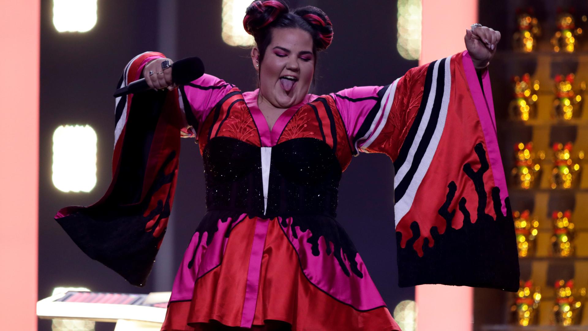 Israel e Chipre (favoritos à vitória) passam à final da Eurovisão