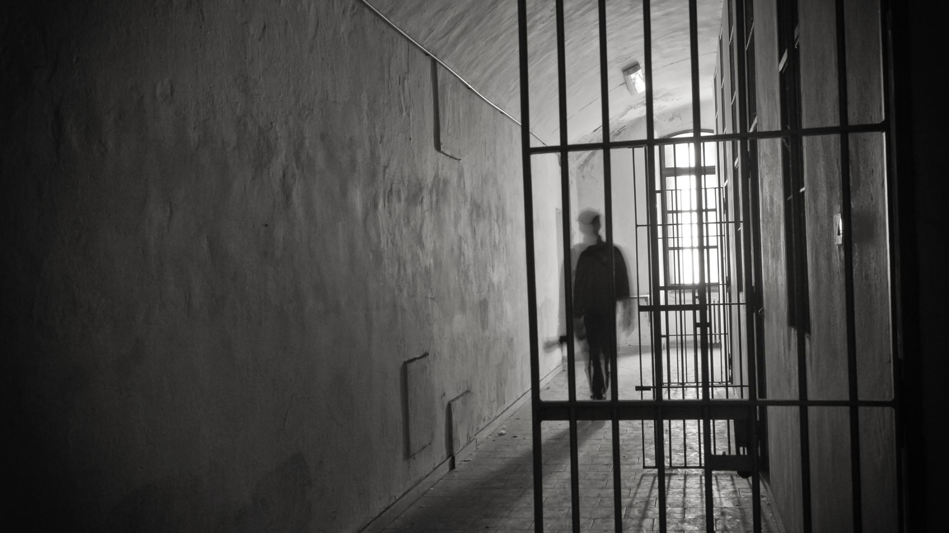 Dois reclusos da prisão de Castelo Branco internados com tuberculose