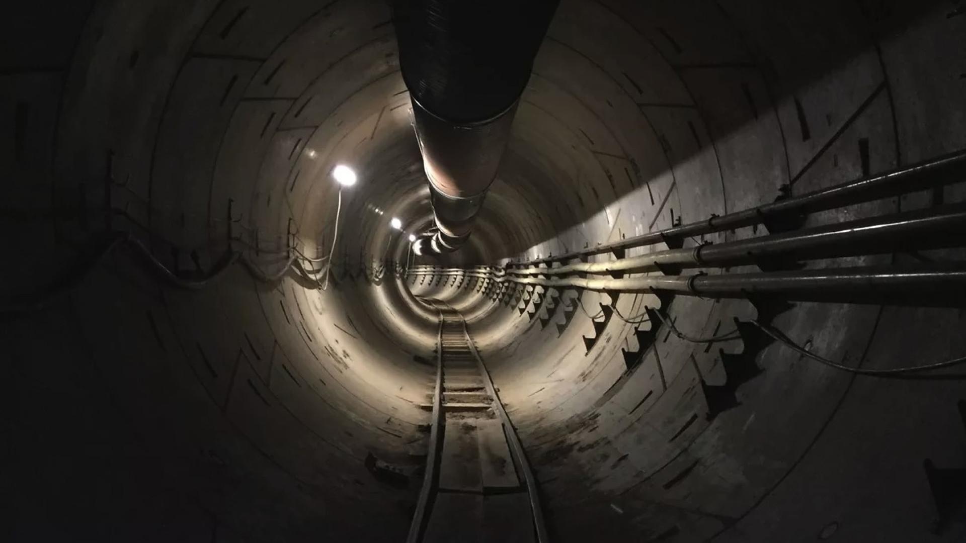 O primeiro túnel de Elon Musk está quase pronto. Veja como é