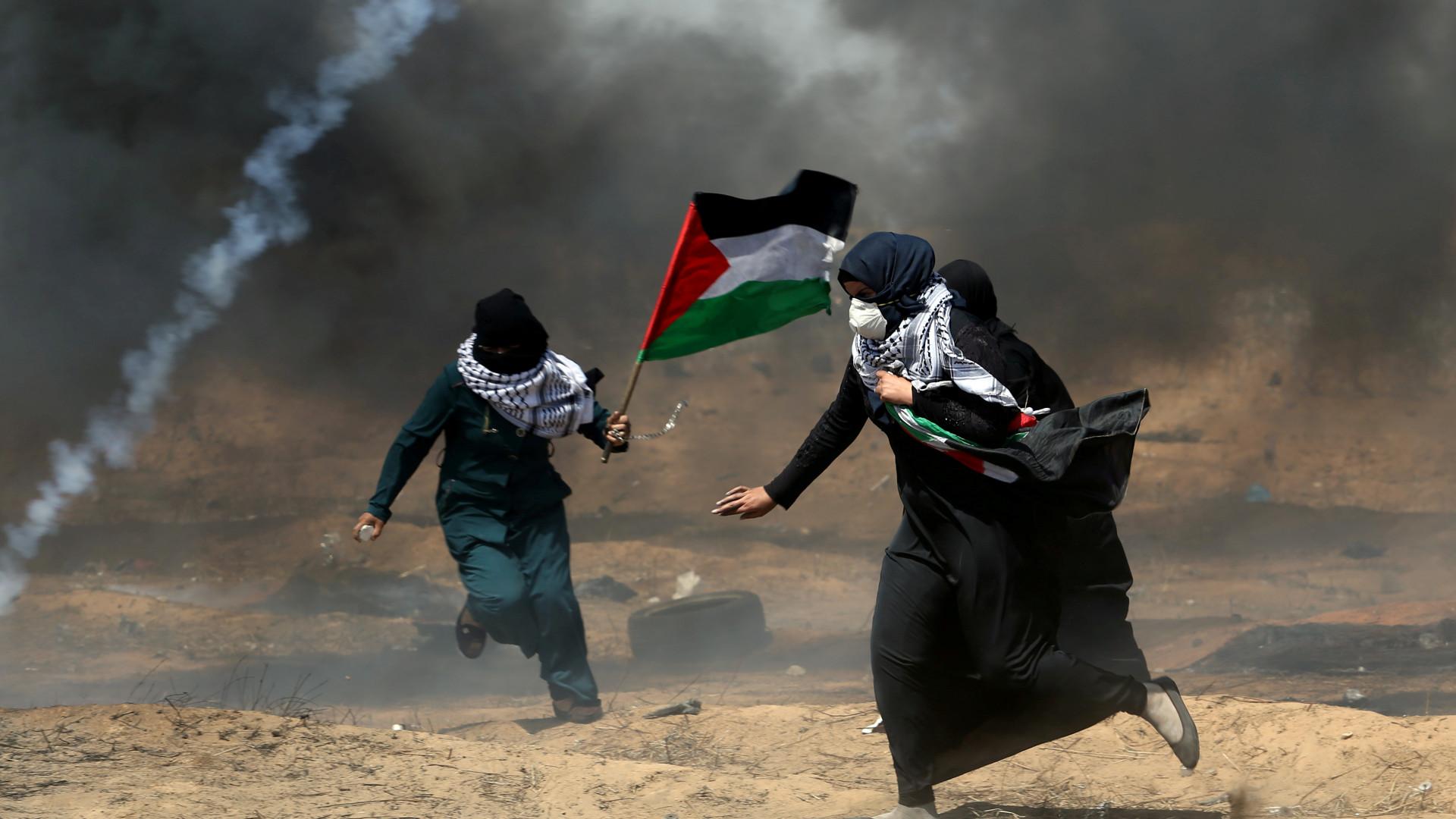 Ativistas manifestam-se quinta-feira em frente a embaixada de Israel