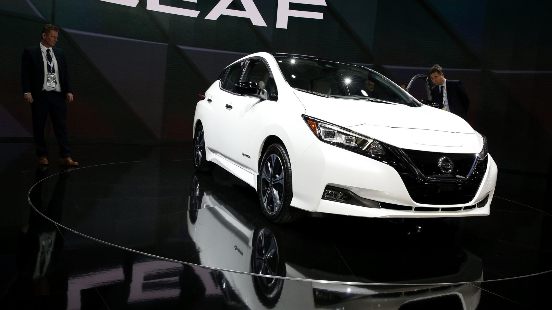 Está interessado no Nissan Leaf? Então o melhor é ser paciente