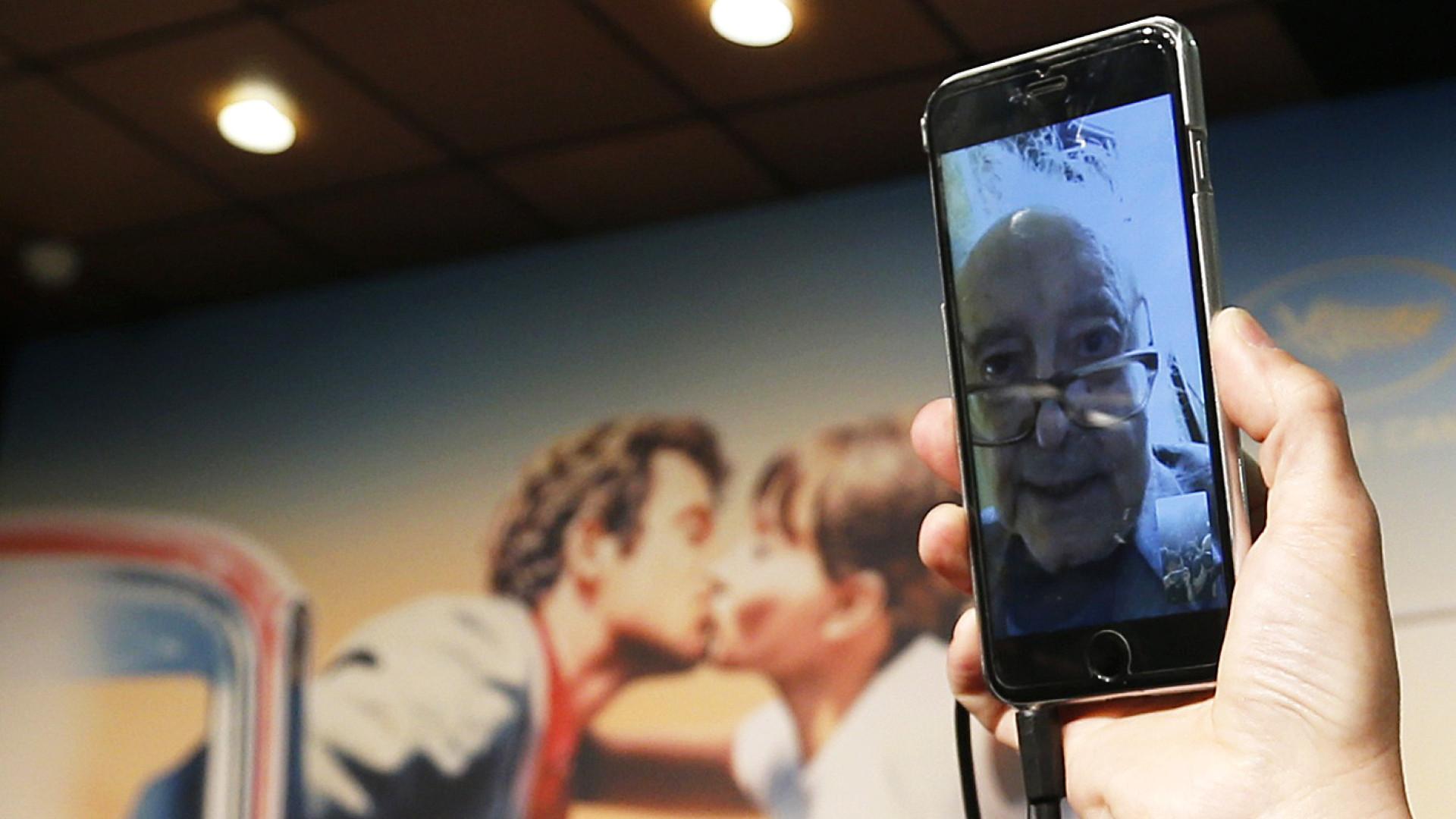 Godard faz colcha de retalhos para crítica política em novo filme