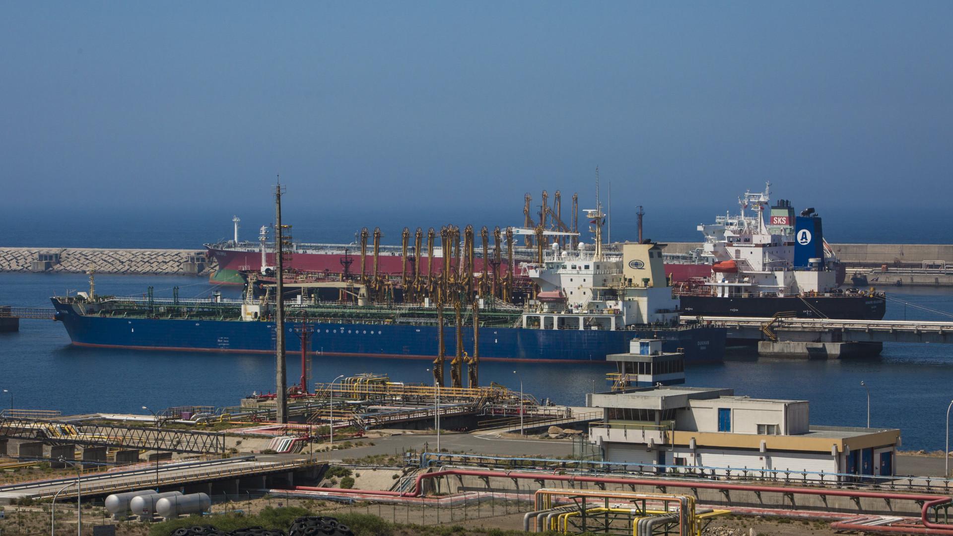 Empresários chineses visitam hoje o porto de Sines