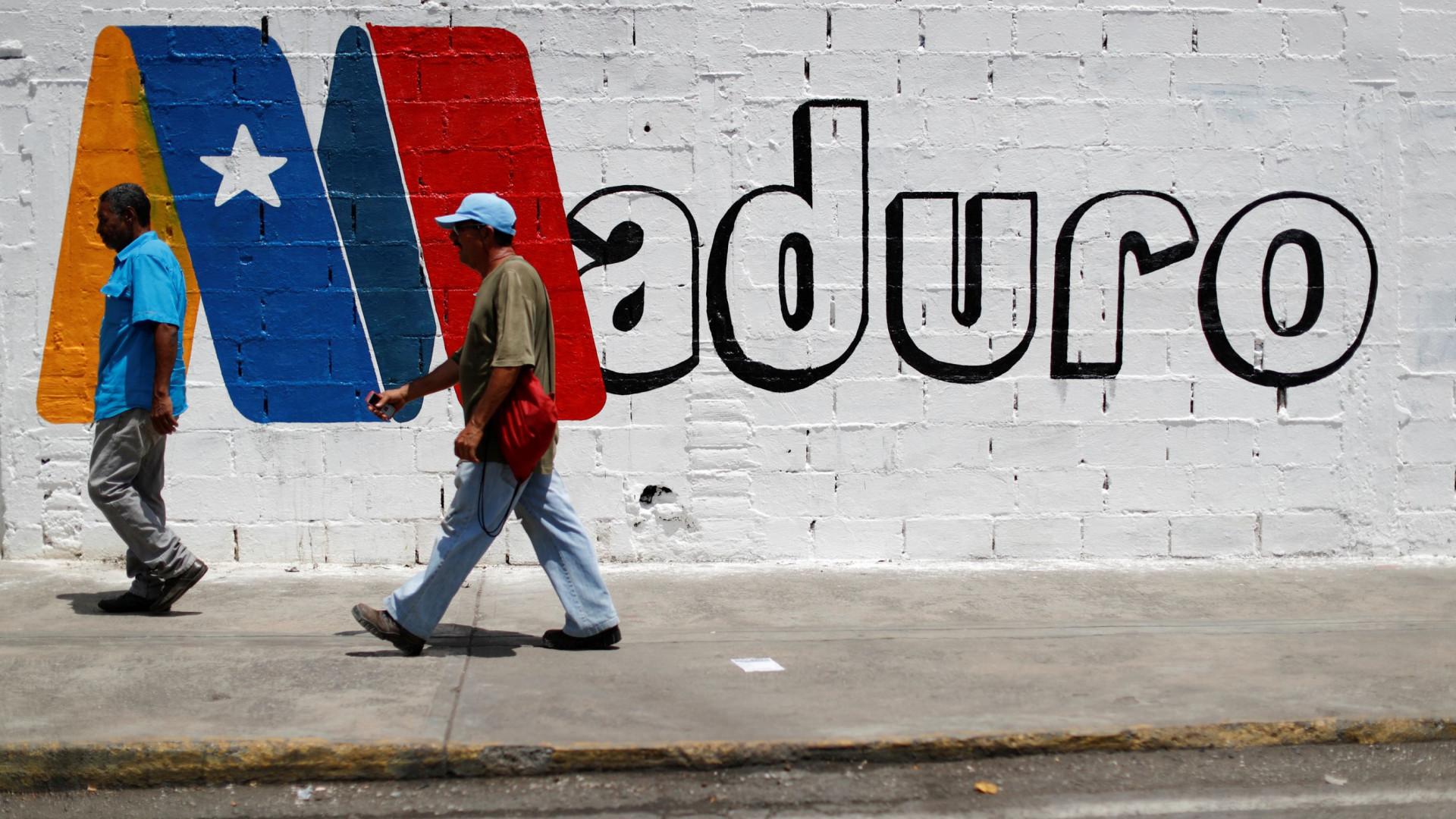 """Maduro antevê """"grande vitória"""" nas presidenciais e denuncia pressões"""