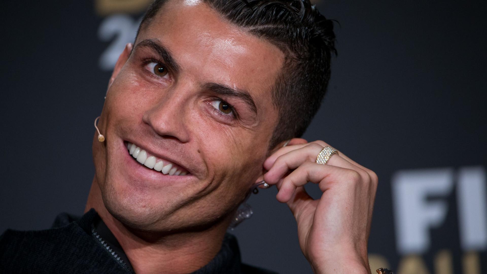 "Cristiano Ronaldo ""feliz"" com gesto Enrique Iglesias"