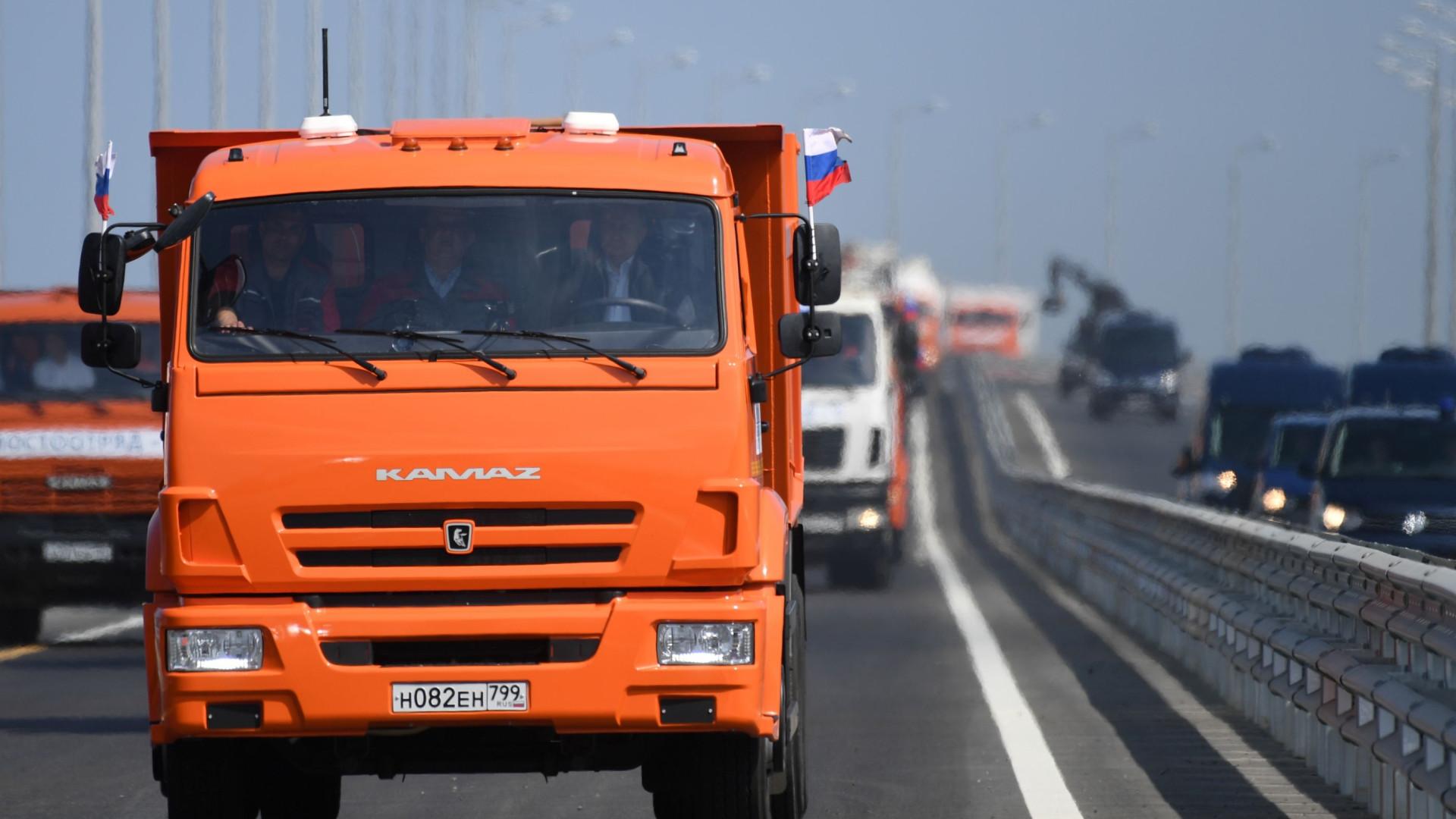 NATO condena Rússia por inauguração de ponte de ligação à Crimeia