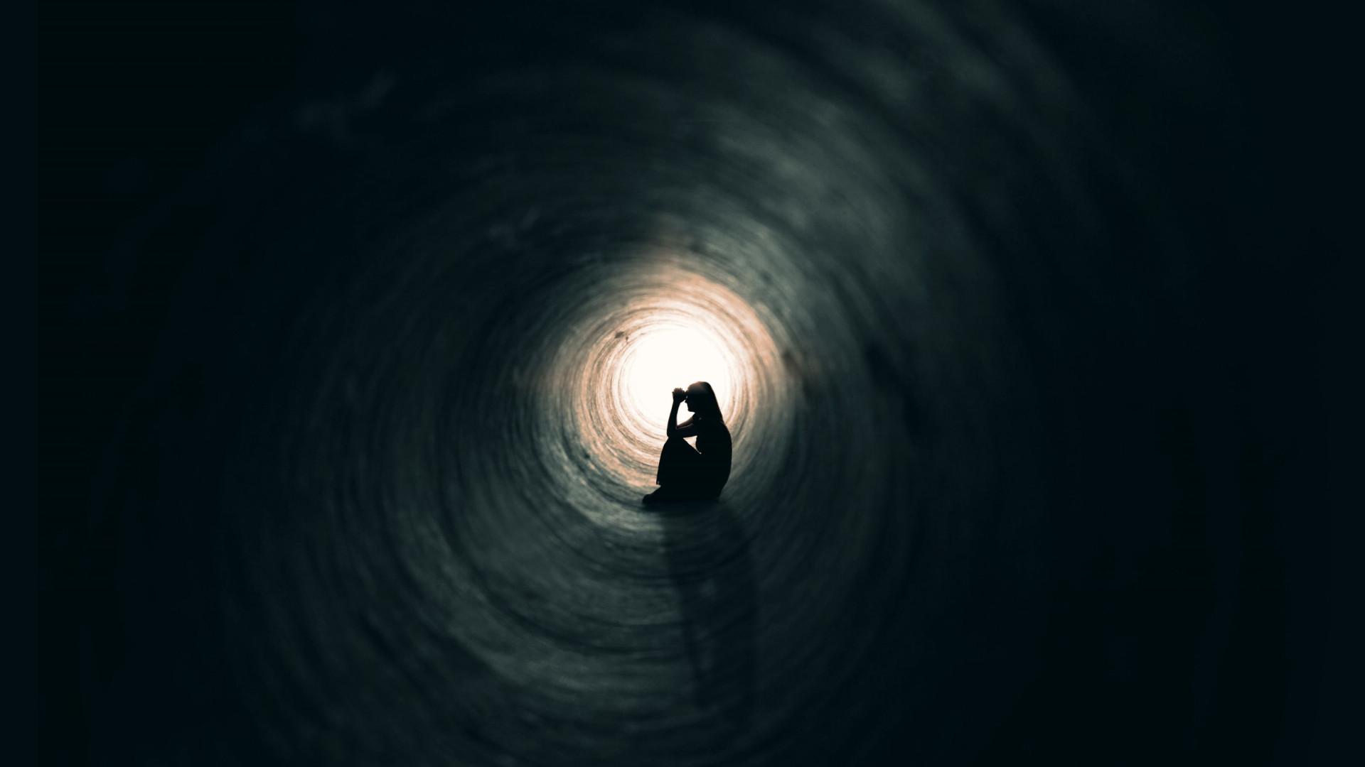 Há cada vez mais jovens que tentam o suicídio, diz novo estudo