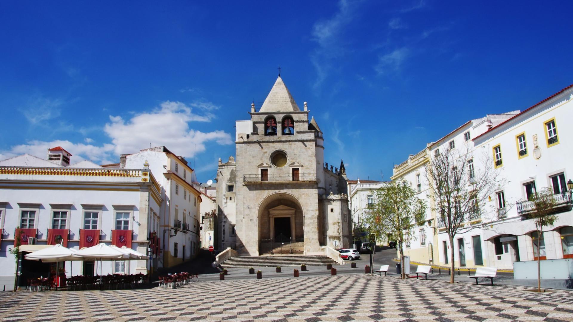 Clarines de Batalla estreia-se em Portugal com concerto em Elvas