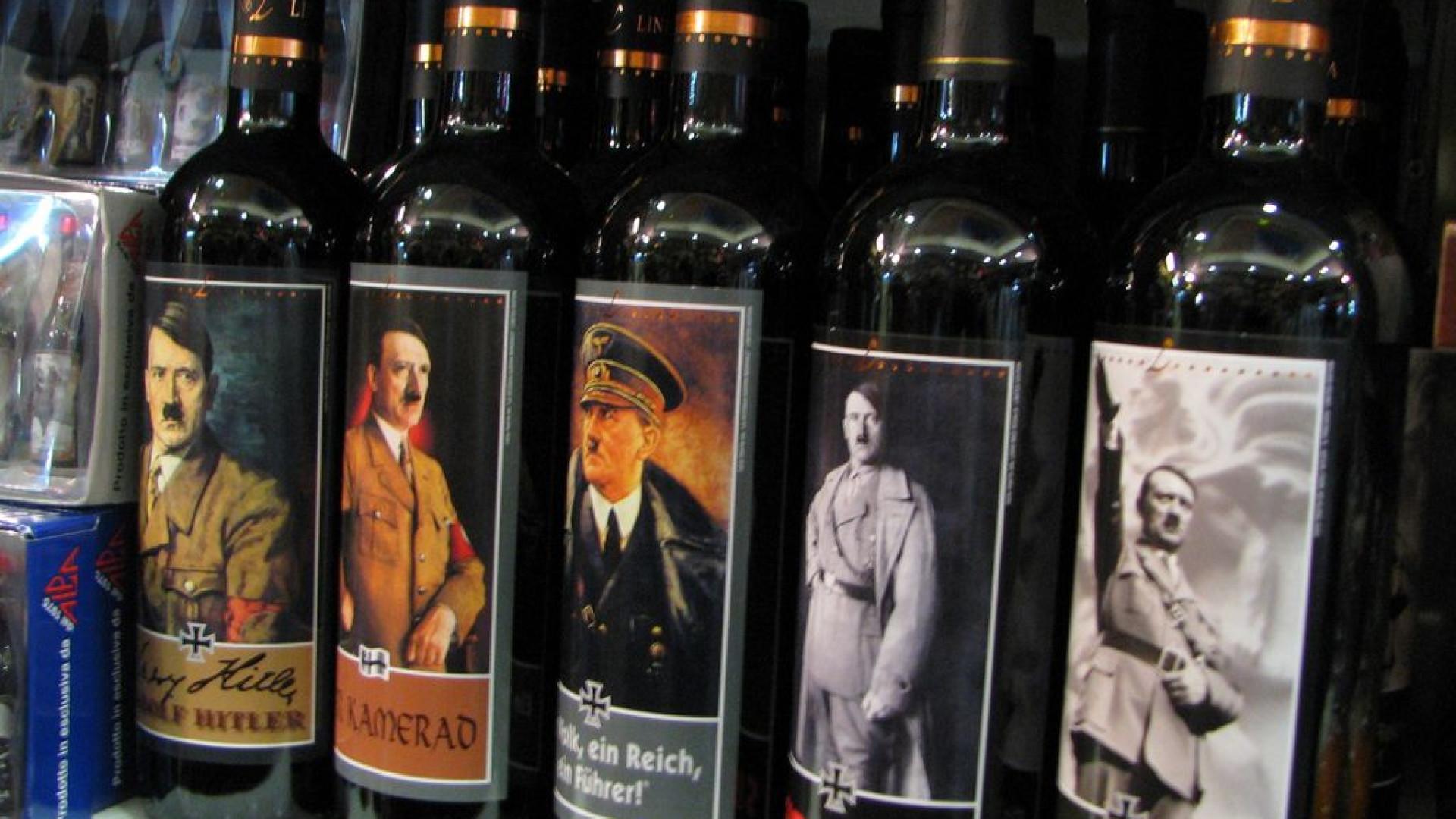 Preso depois de polícia encontrar vinho com cara de Hitler em sua casa