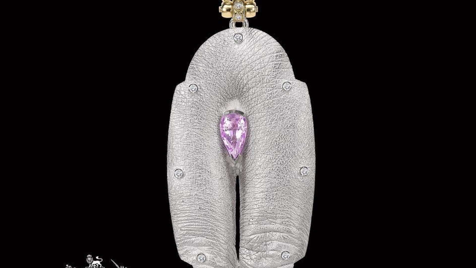 Peça de joalharia parece uma vagina está a gerar controvérsia