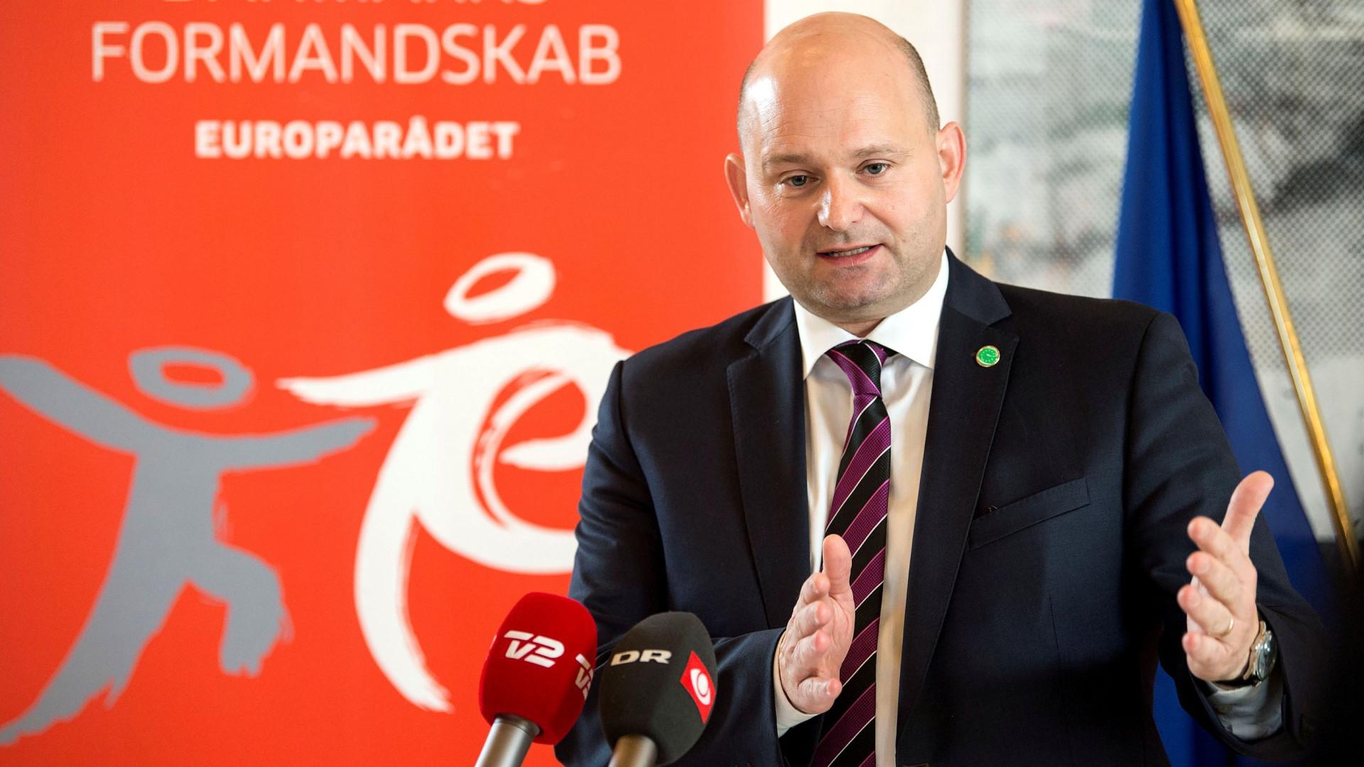 Noivo de ministro dinamarquês agredido por ser homossexual