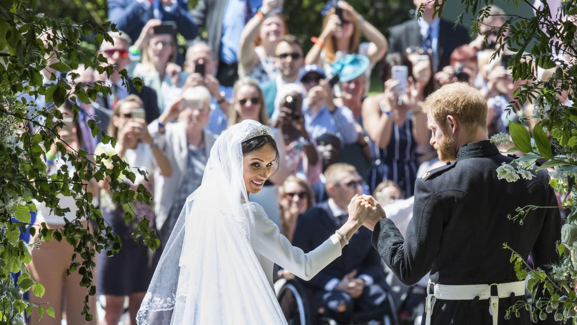 Harry e Meghan Markle quebraram protocolo real durante casamento