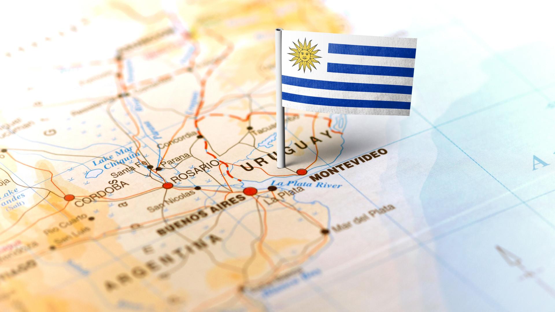 Uruguai junta-se à Argentina no pedido de eleições livres