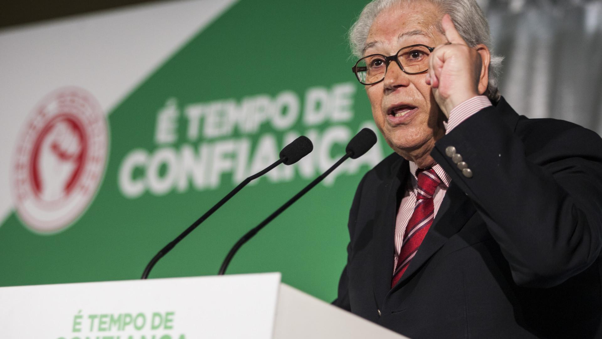 Homenagem a Mário Soares na abertura formal e evocação de António Arnaut