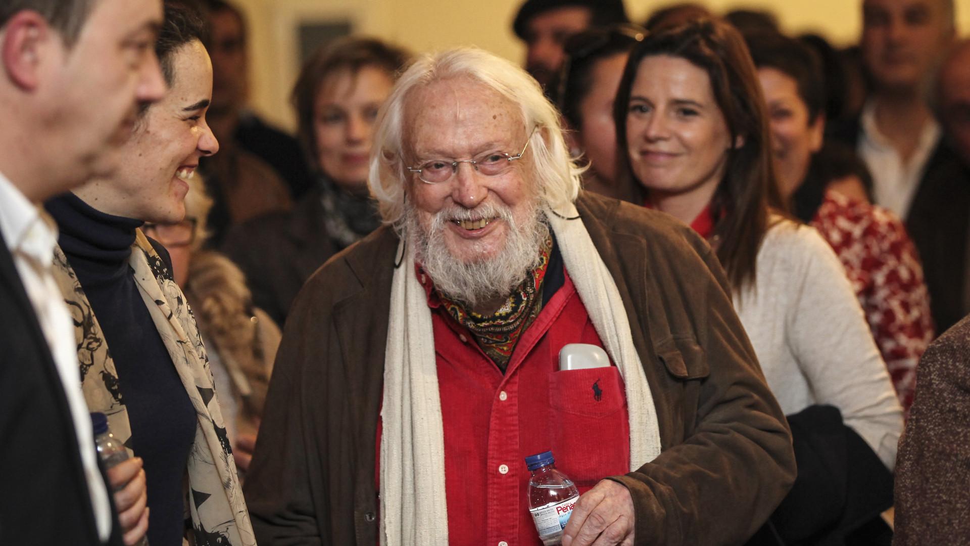 """Portugal perde """"um dos seus mais icónicos artistas"""", diz António Costa"""