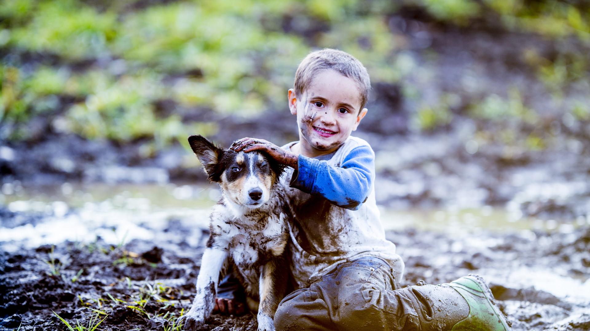 Crianças: Contacto com germes pode prevenir aparecimento de leucemia
