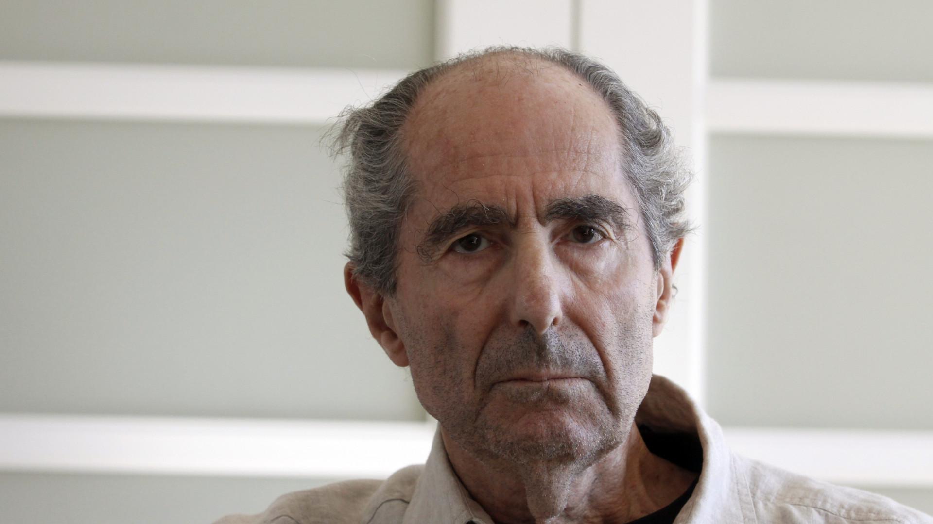 Morreu o escritor norte-americano Philip Roth. Tinha 85 anos