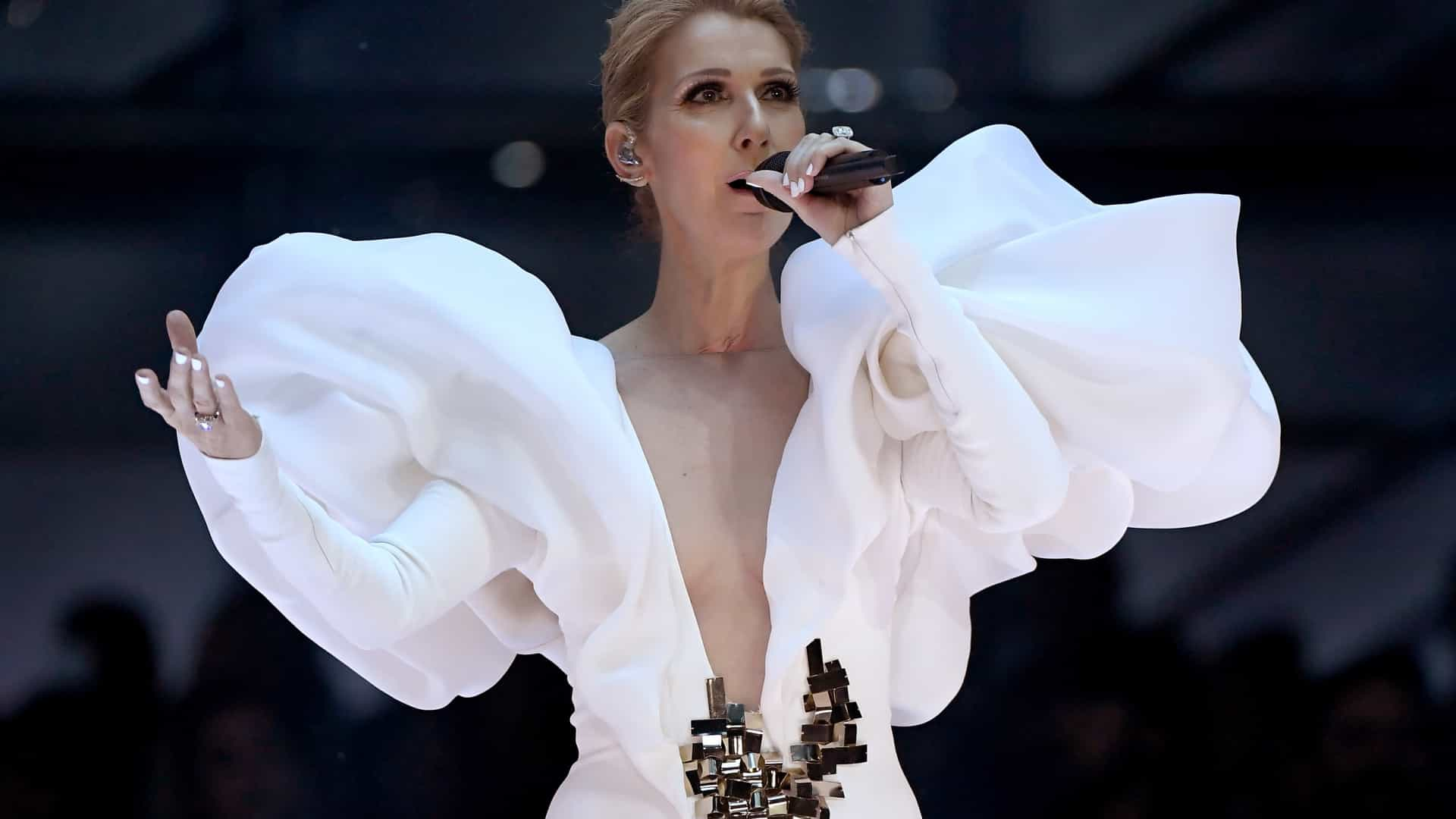 Céline Dion regressa aos palcos após cirurgia ao ouvido