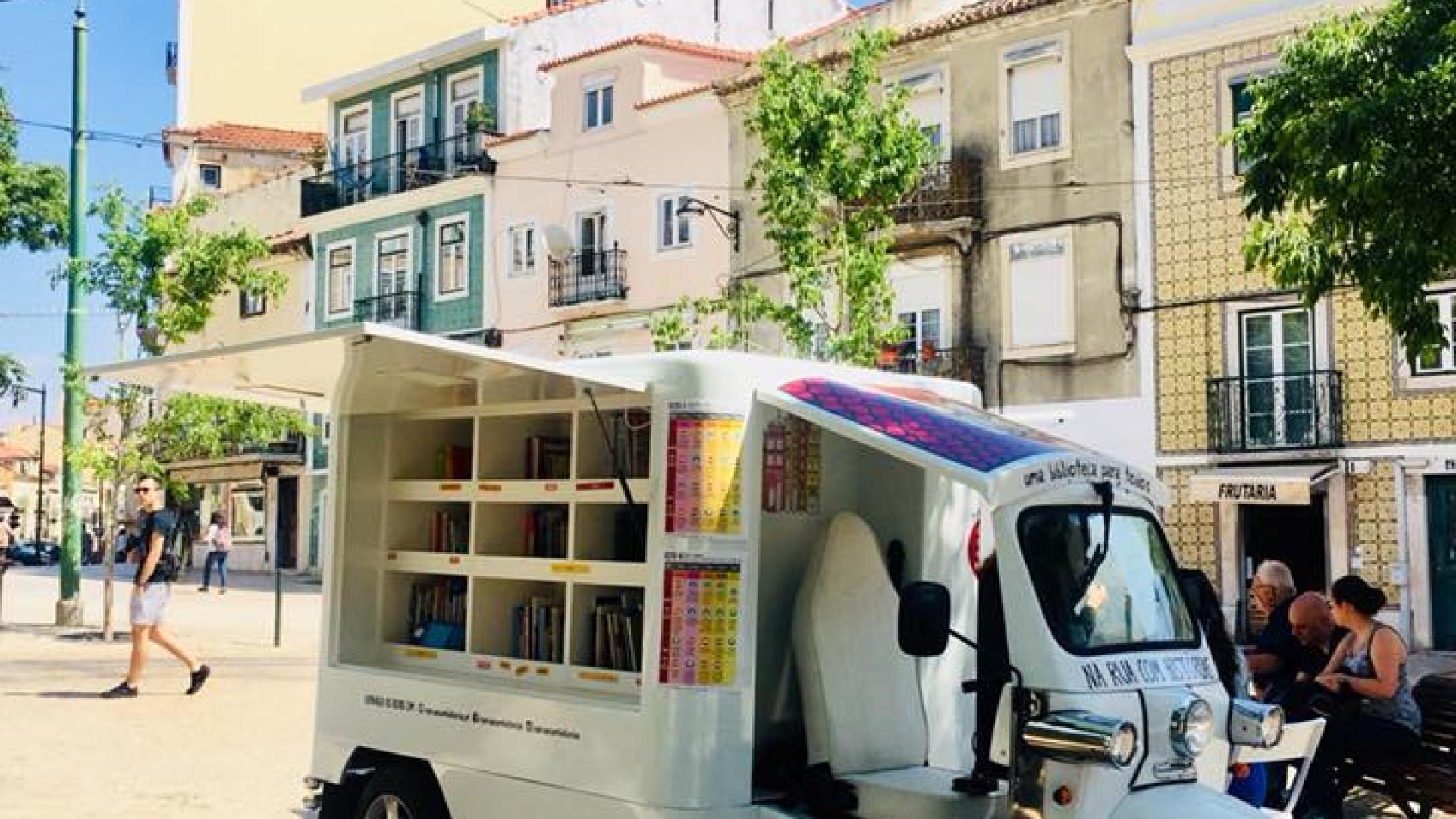 Se portugueses não vão à biblioteca, a biblioteca vai até aos portugueses