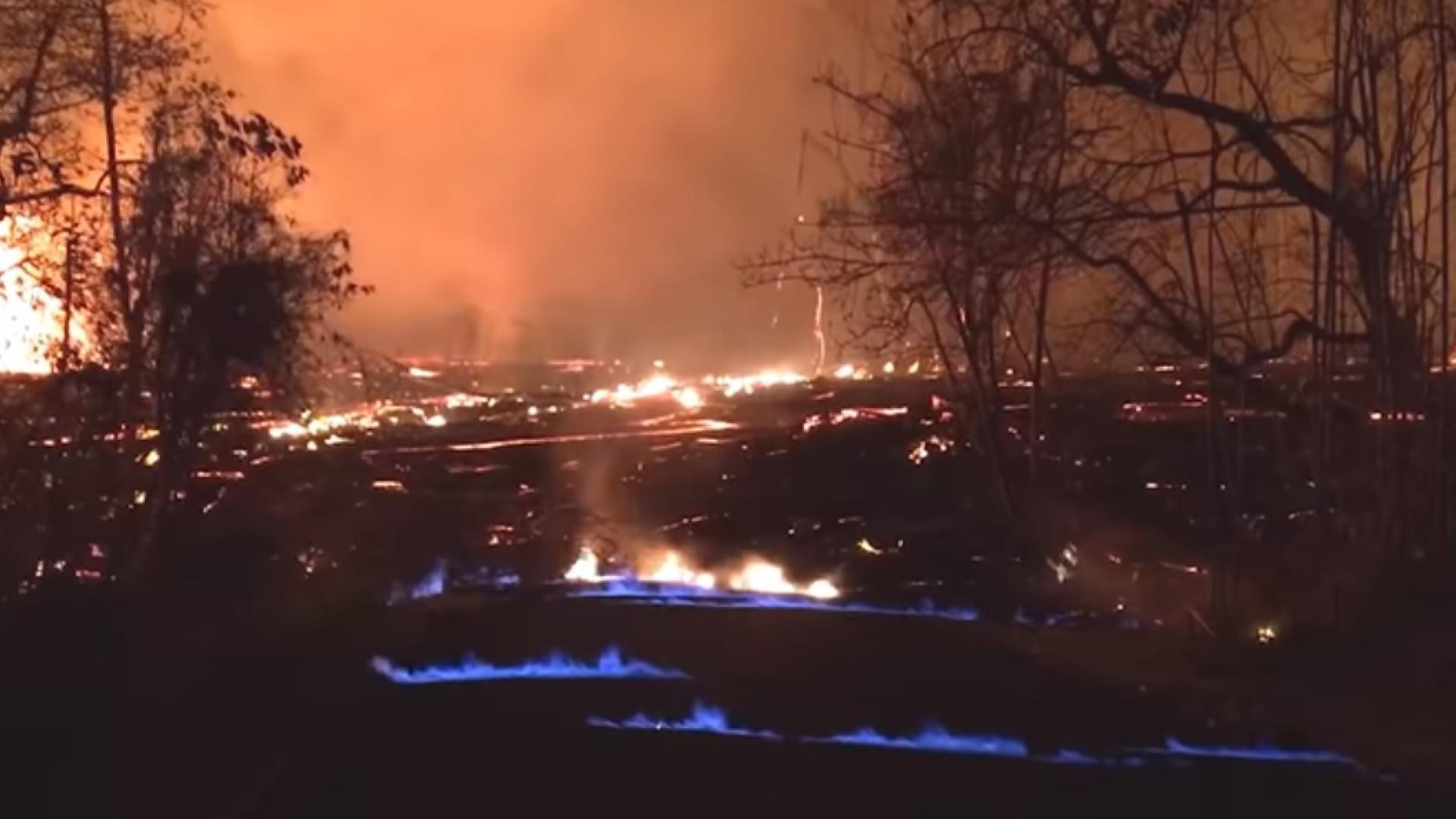 As chamas azuis nas erupções do vulcão Kilauea