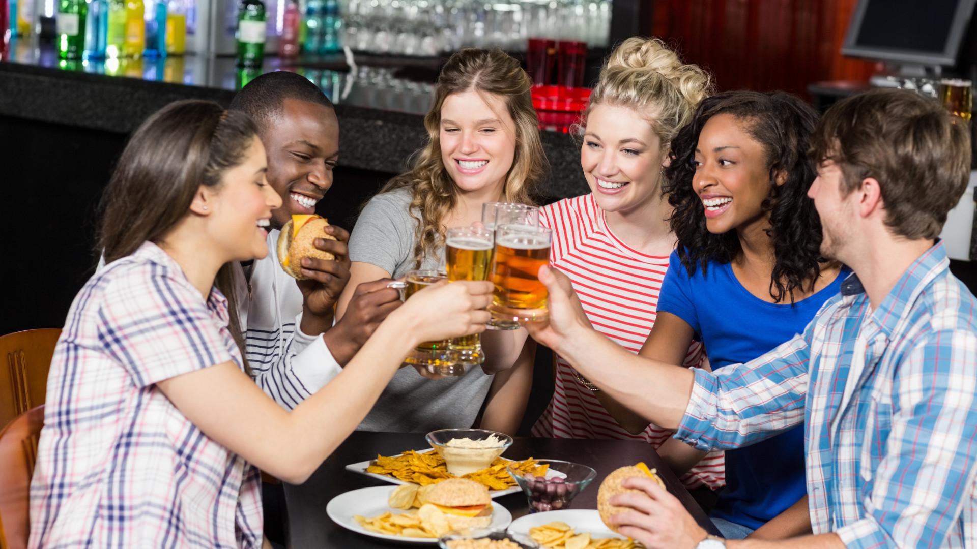 Sim, tem mesmo que diminuir o consumo de álcool para evitar cancro