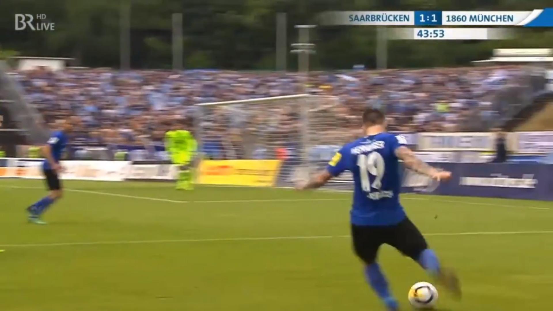Jogo da quarta divisão alemã foi 'brindado' com golaço