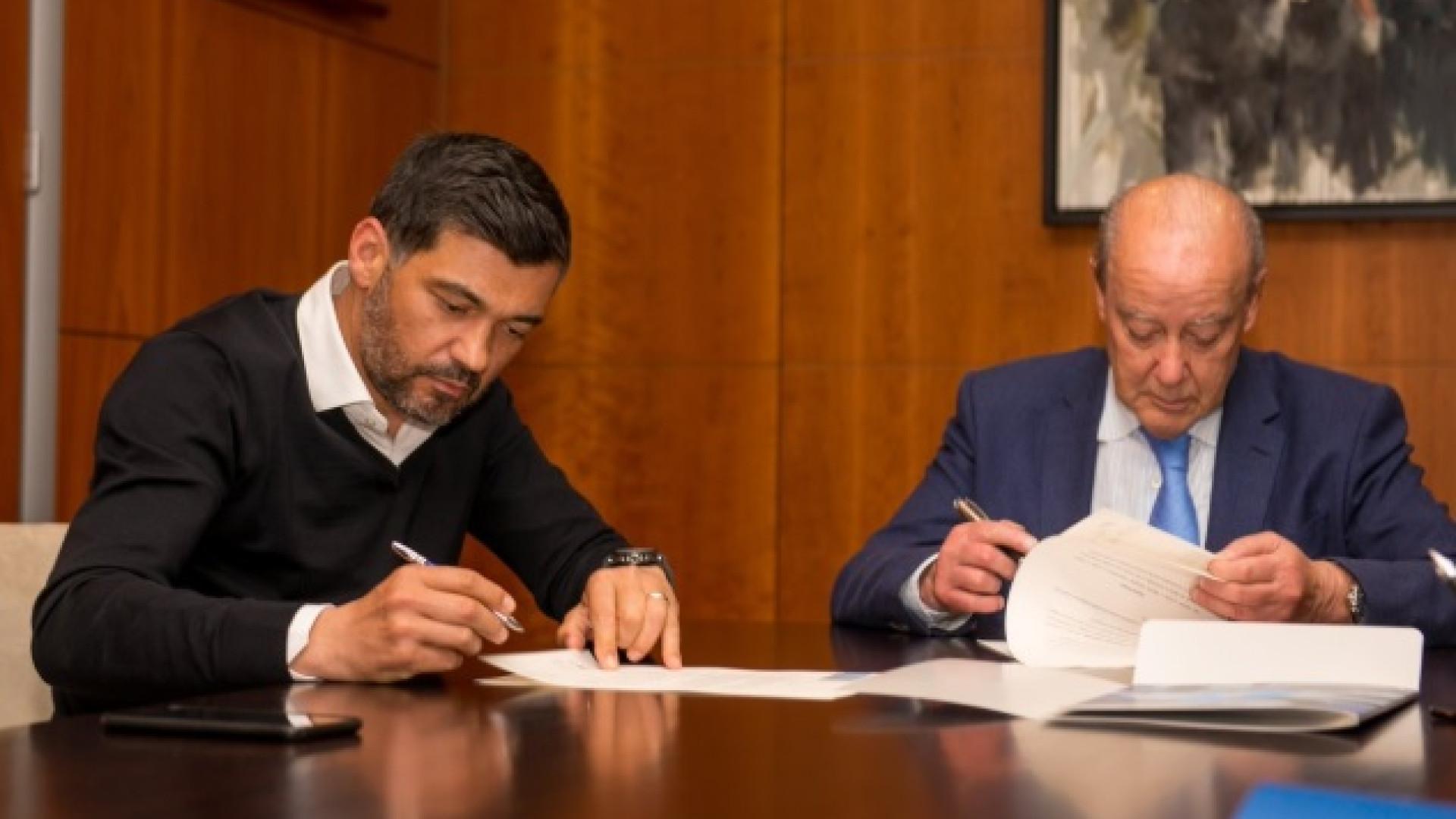 Oficial: Conceição renova contrato com o FC Porto