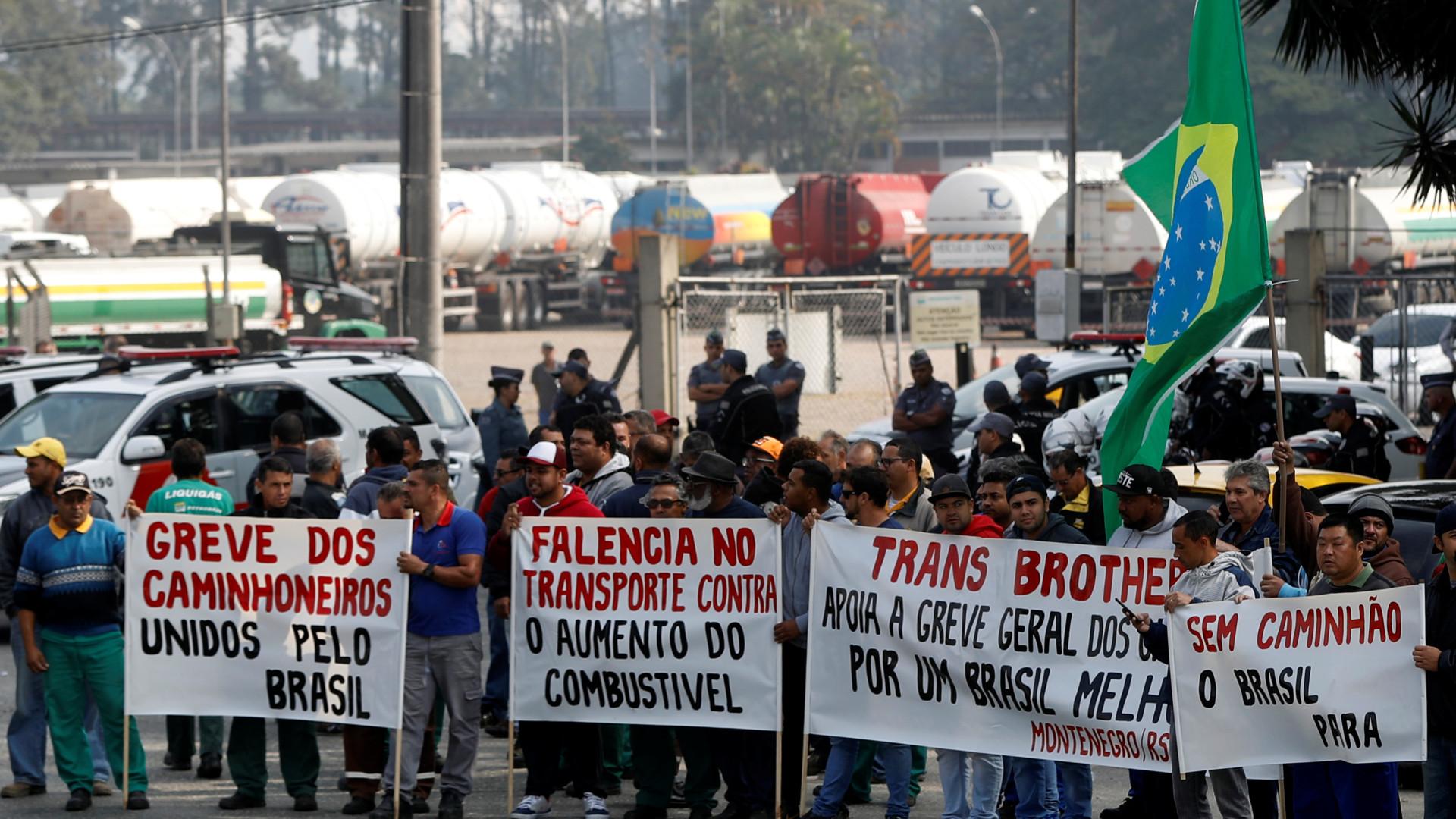 Greve dos camionistas no Brasil sobe preço da batata para... 116 euros