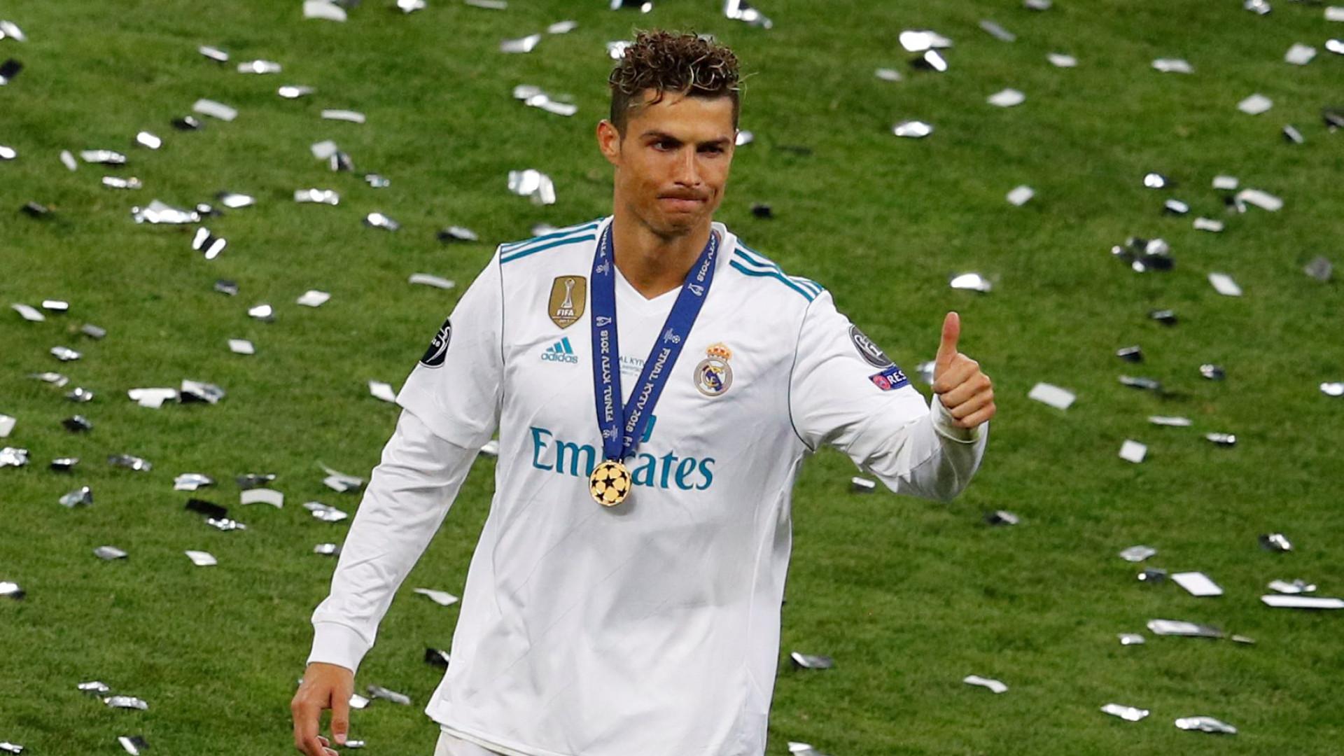 Cristiano Ronaldo ligou a Ancelloti para... falar sobre futebol italiano