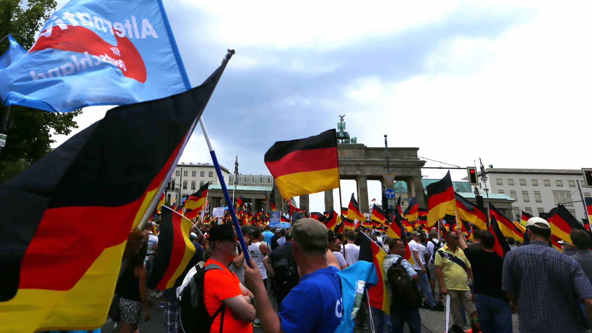 Confrontos em manifestação da extrema direita em Berlim