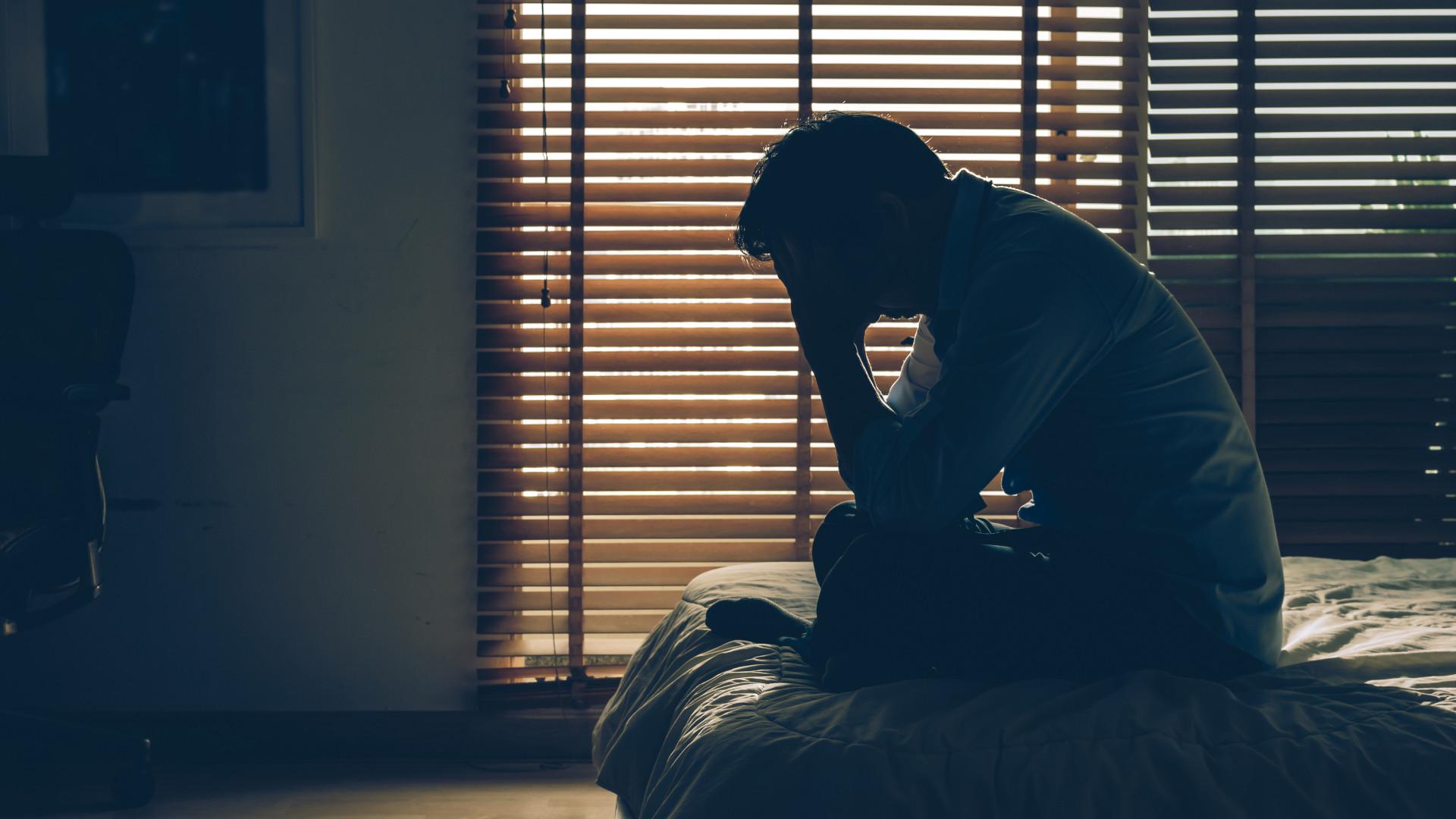 Pessoas que sofrem de depressão têm maior risco de sofrer de demência