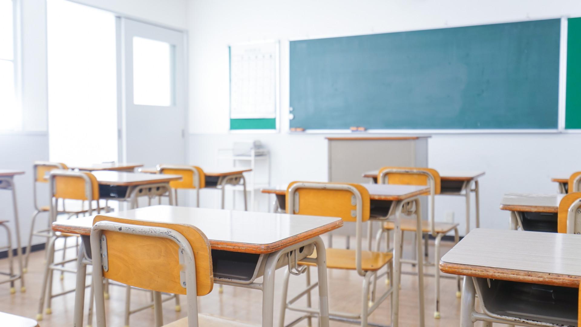 Professores admitem prolongar greve às avaliações
