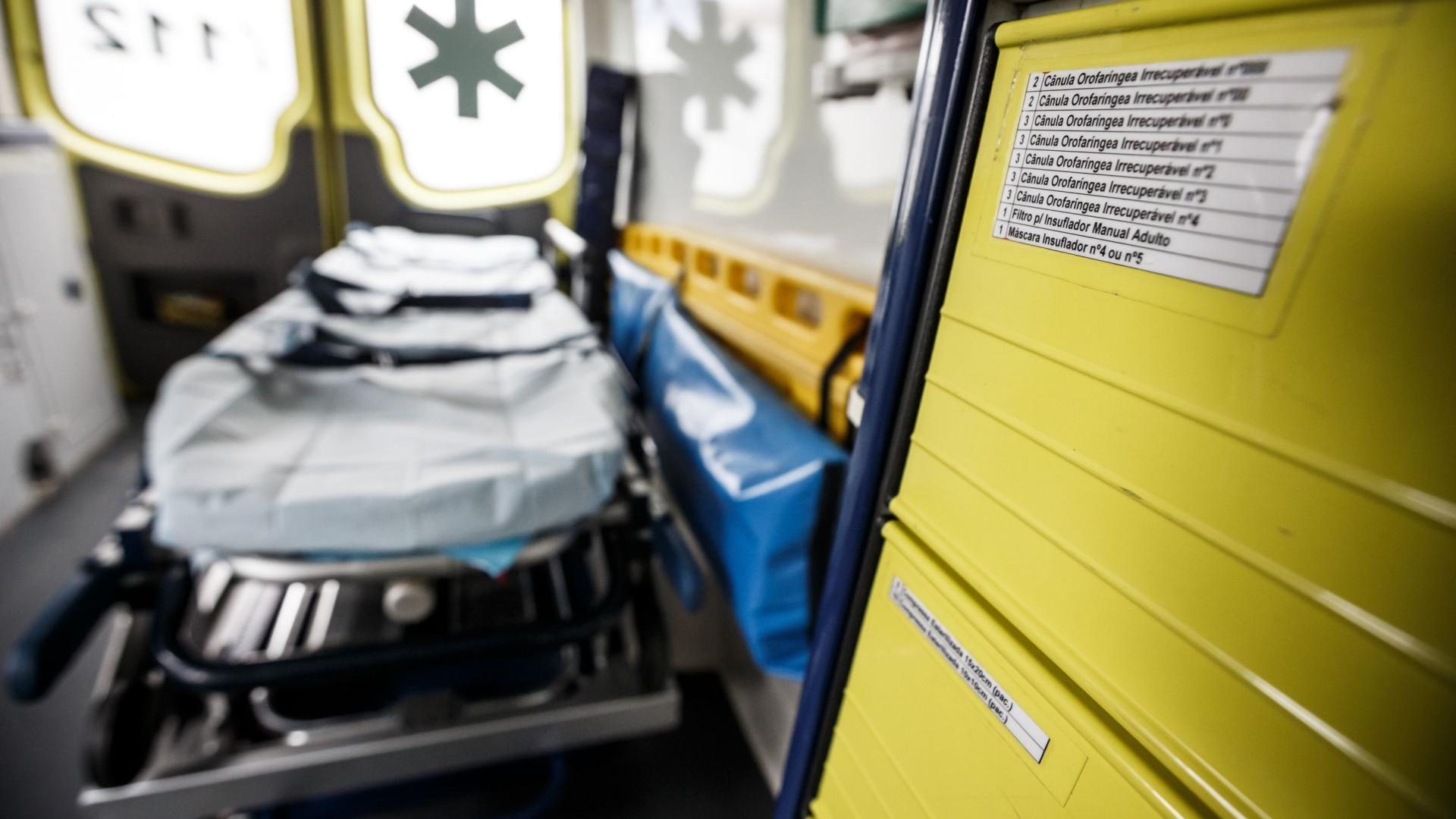 Criança cai do terceiro andar de prédio em Sintra